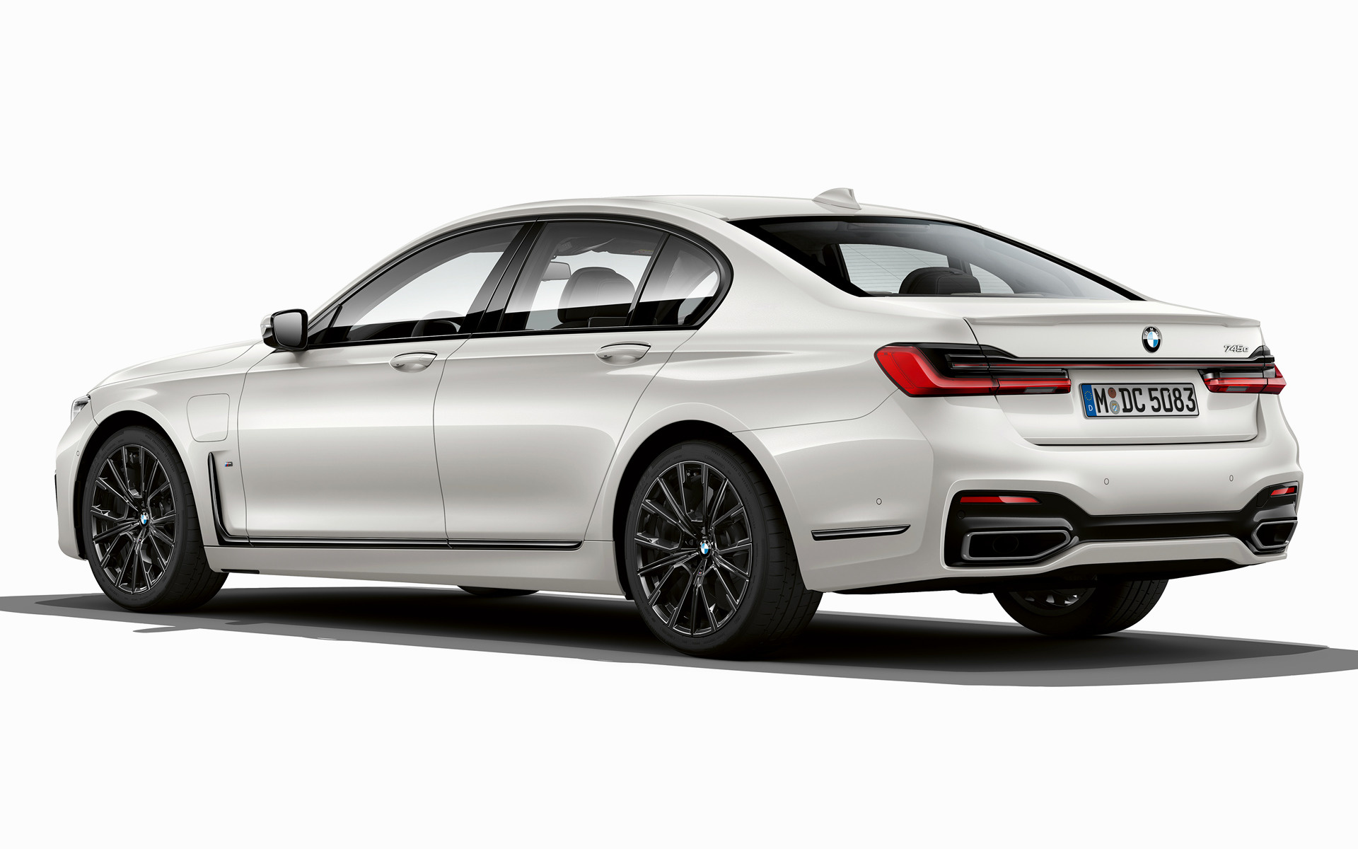 2019 Bmw 7 Series Plug In Hybrid M Sport обои и картинки на