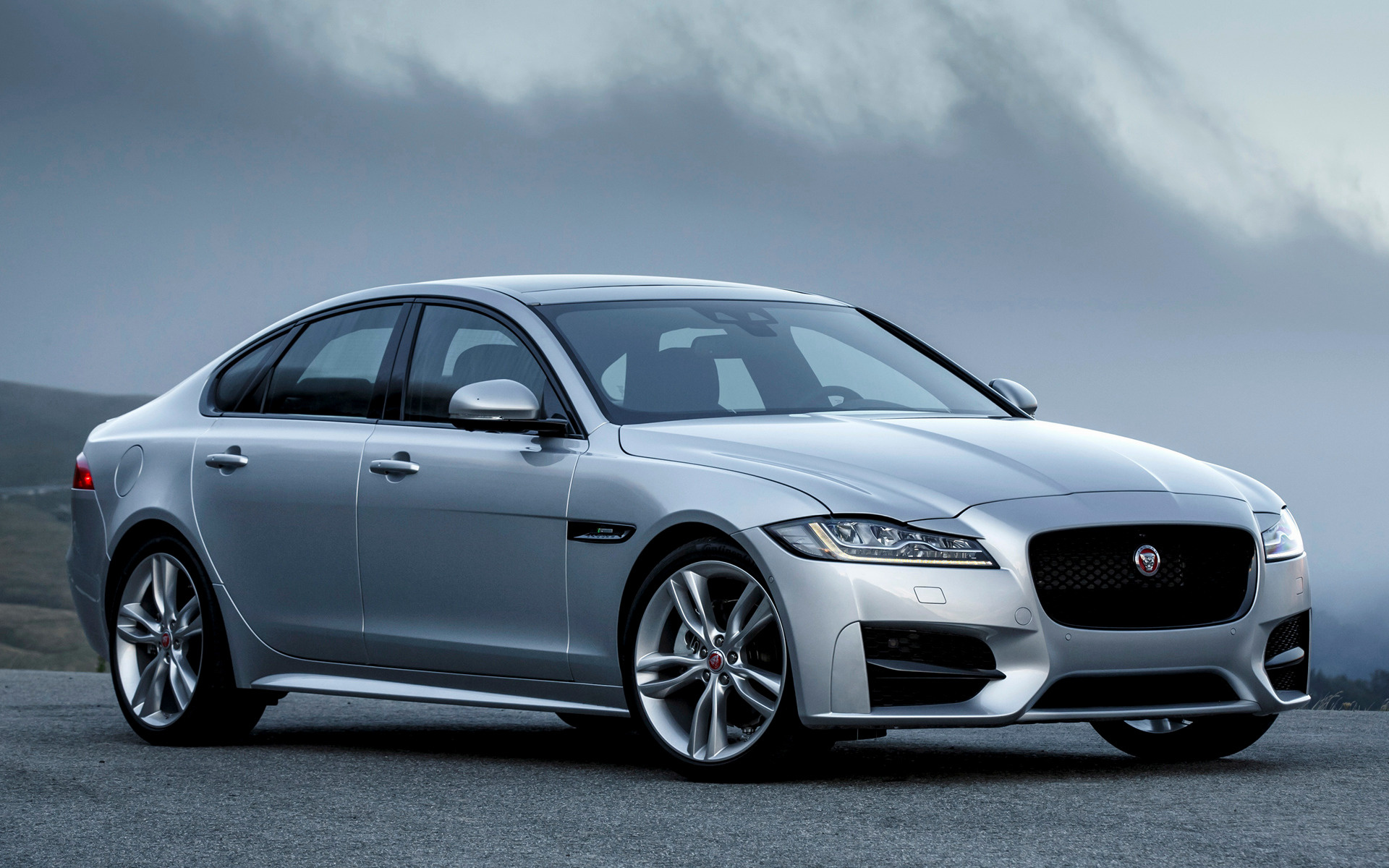 jaguar xf r sport 2015 wallpapers and hd images car pixel. Black Bedroom Furniture Sets. Home Design Ideas