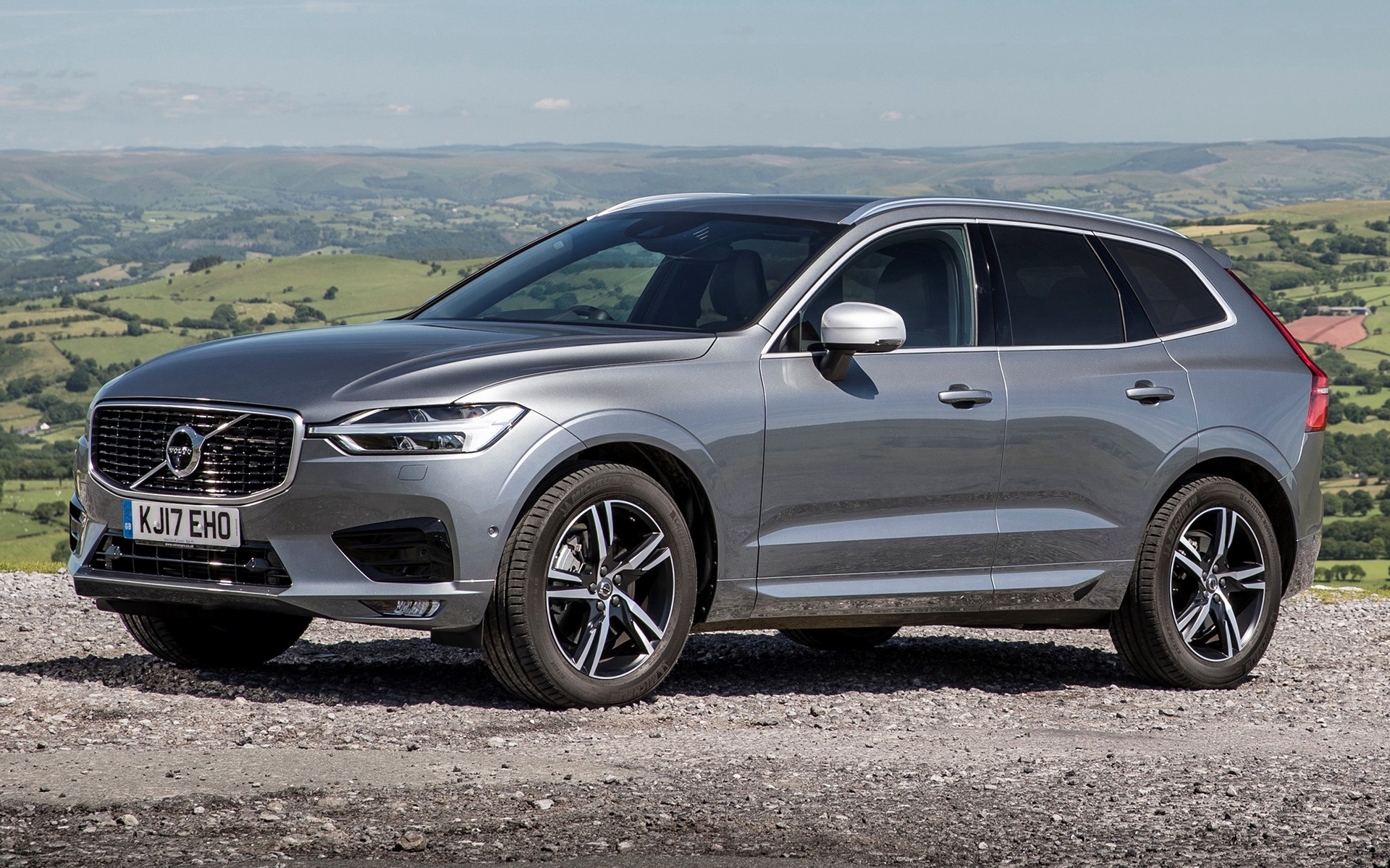 2017 Volvo Xc60 R Design Uk Wallpapers And Hd Images