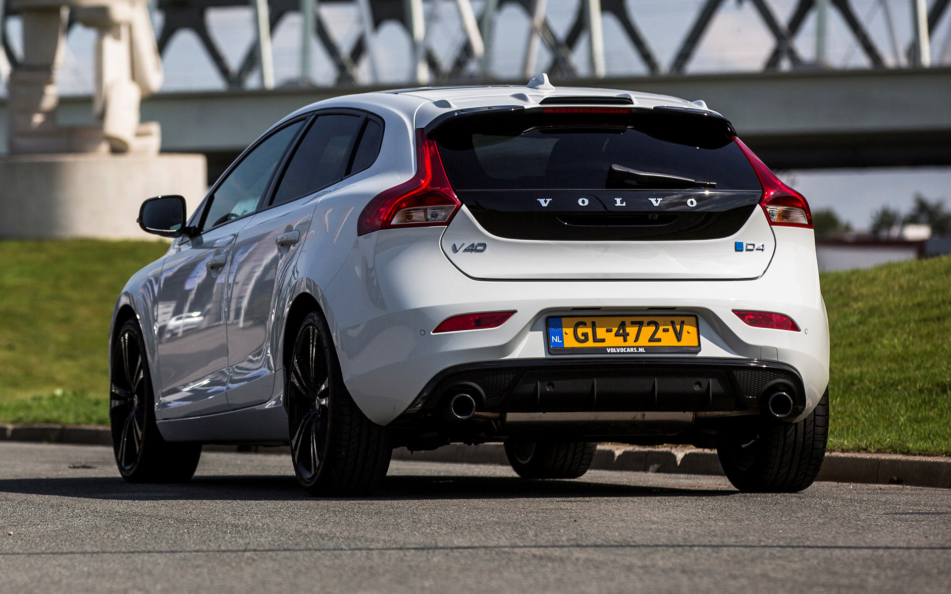 2015 Volvo V40 Carbon Edition Wallpapers And Hd Images