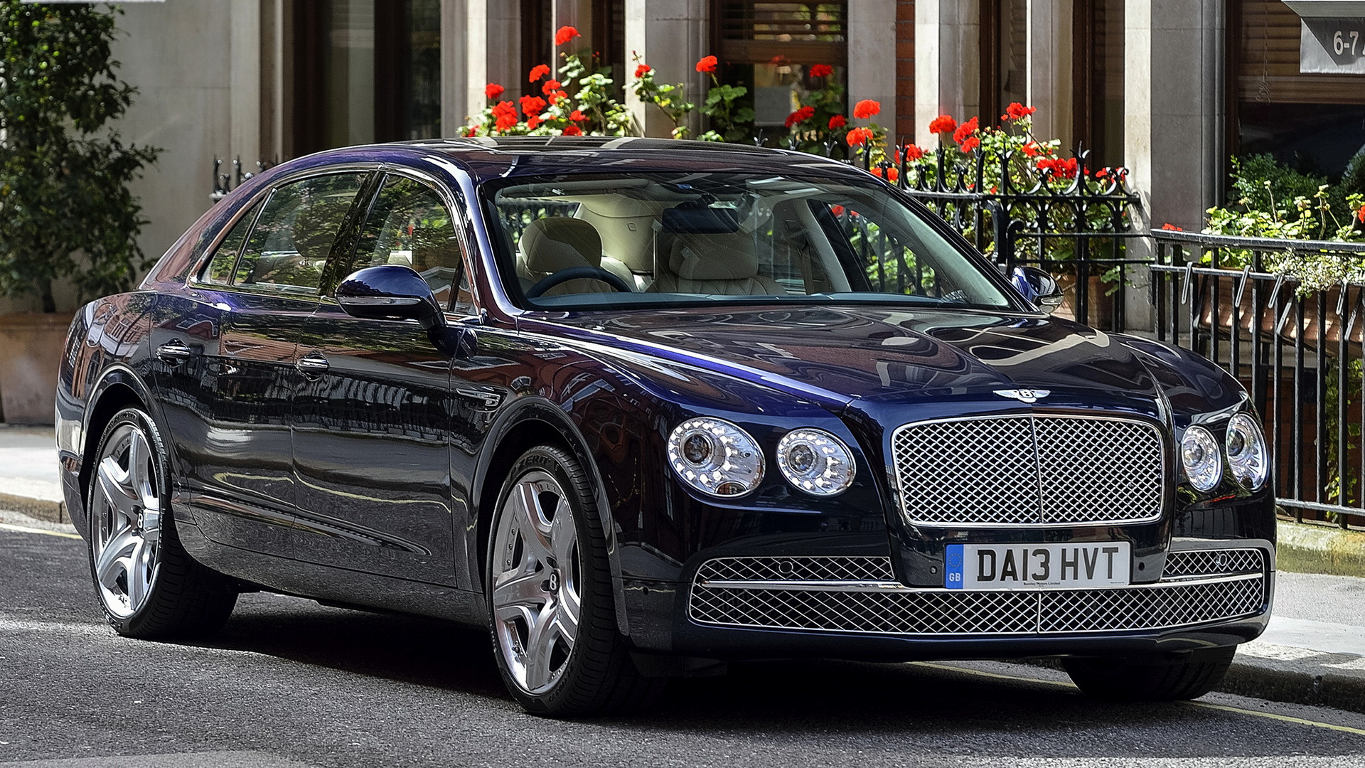 Bentley Flying Spur >> 2013 Bentley Flying Spur (UK) - Wallpapers and HD Images ...