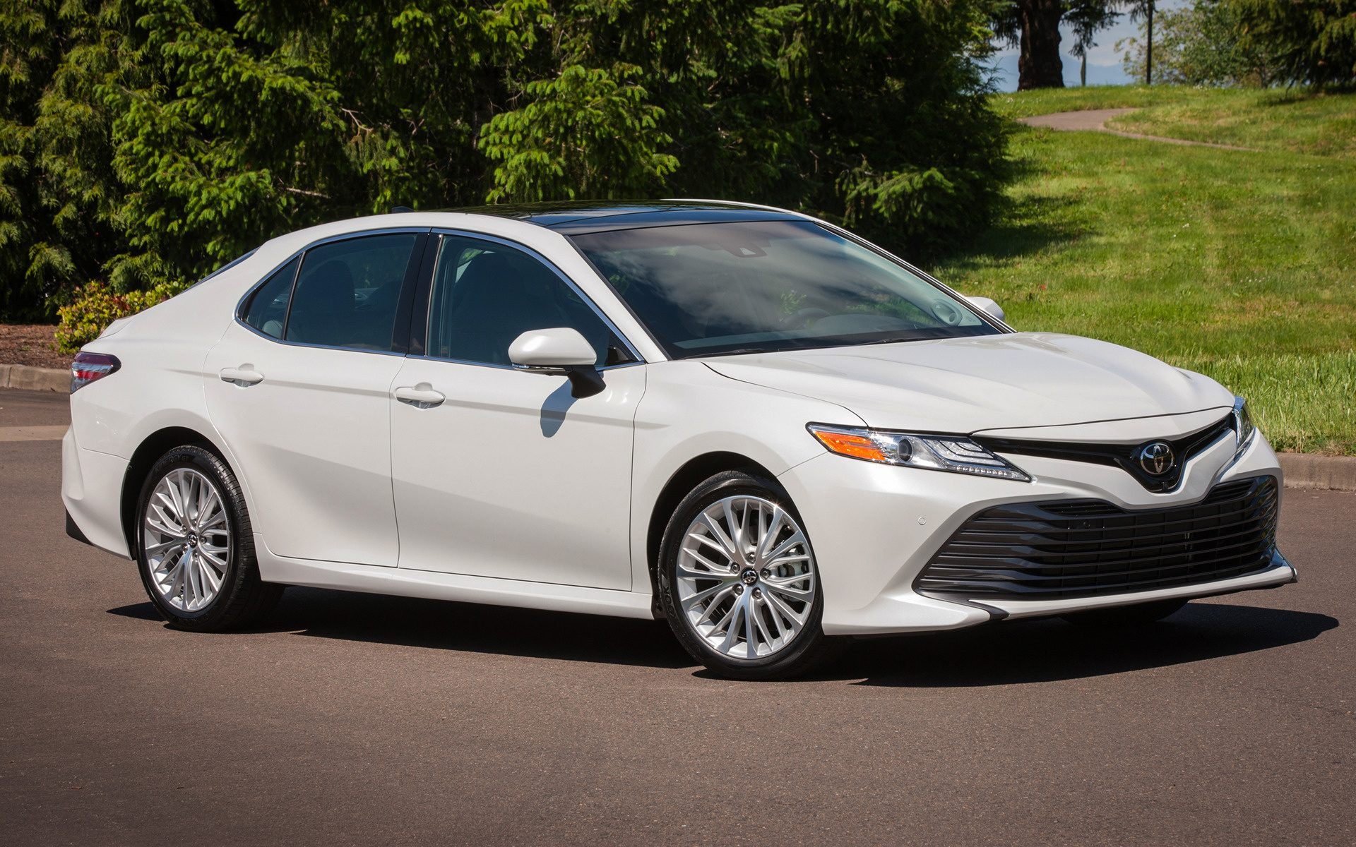 2018 Toyota Camry XLE - Wallpapers and HD Images | Car Pixel