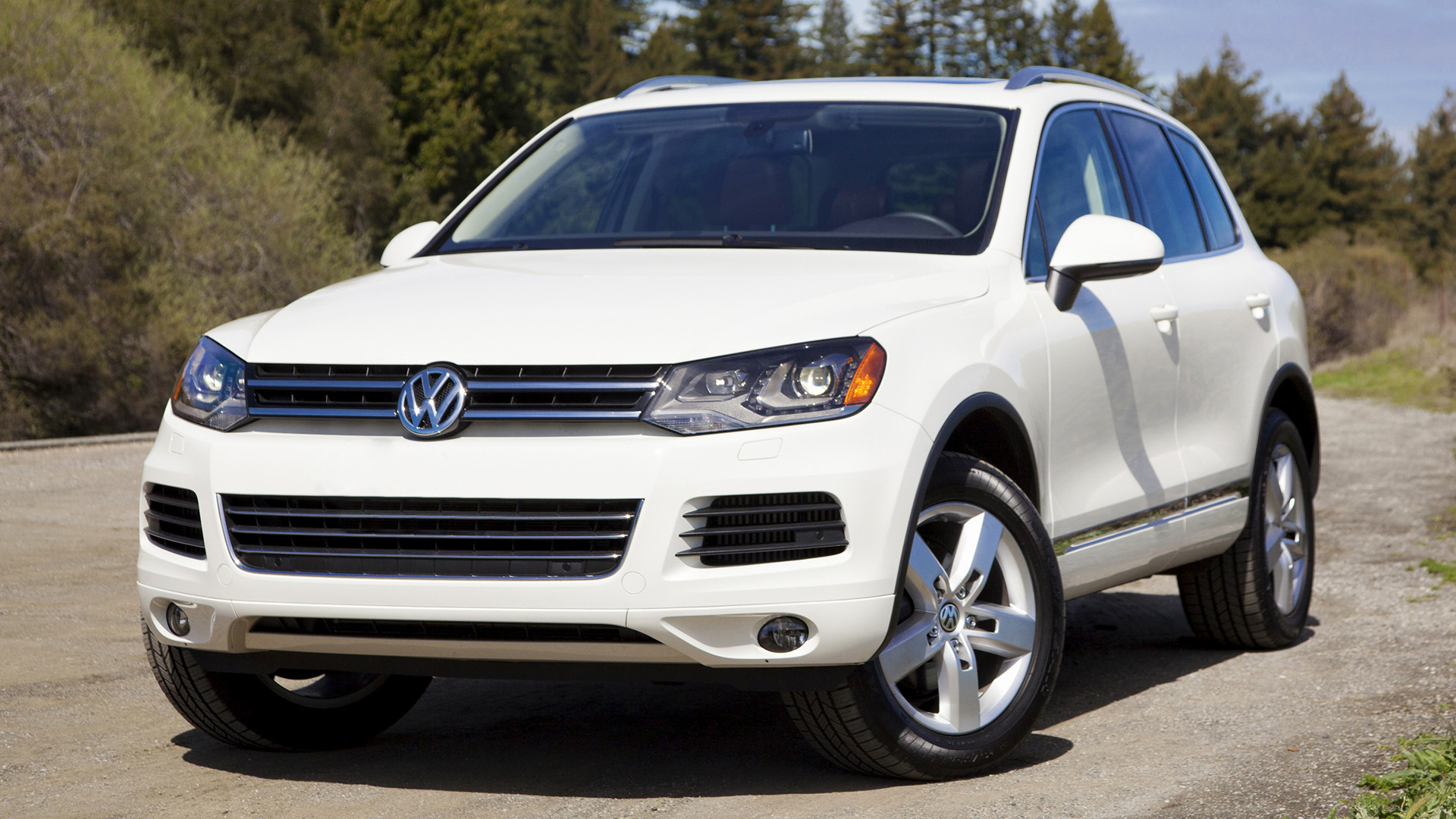 volkswagen touareg 2010 us wallpapers and hd images. Black Bedroom Furniture Sets. Home Design Ideas