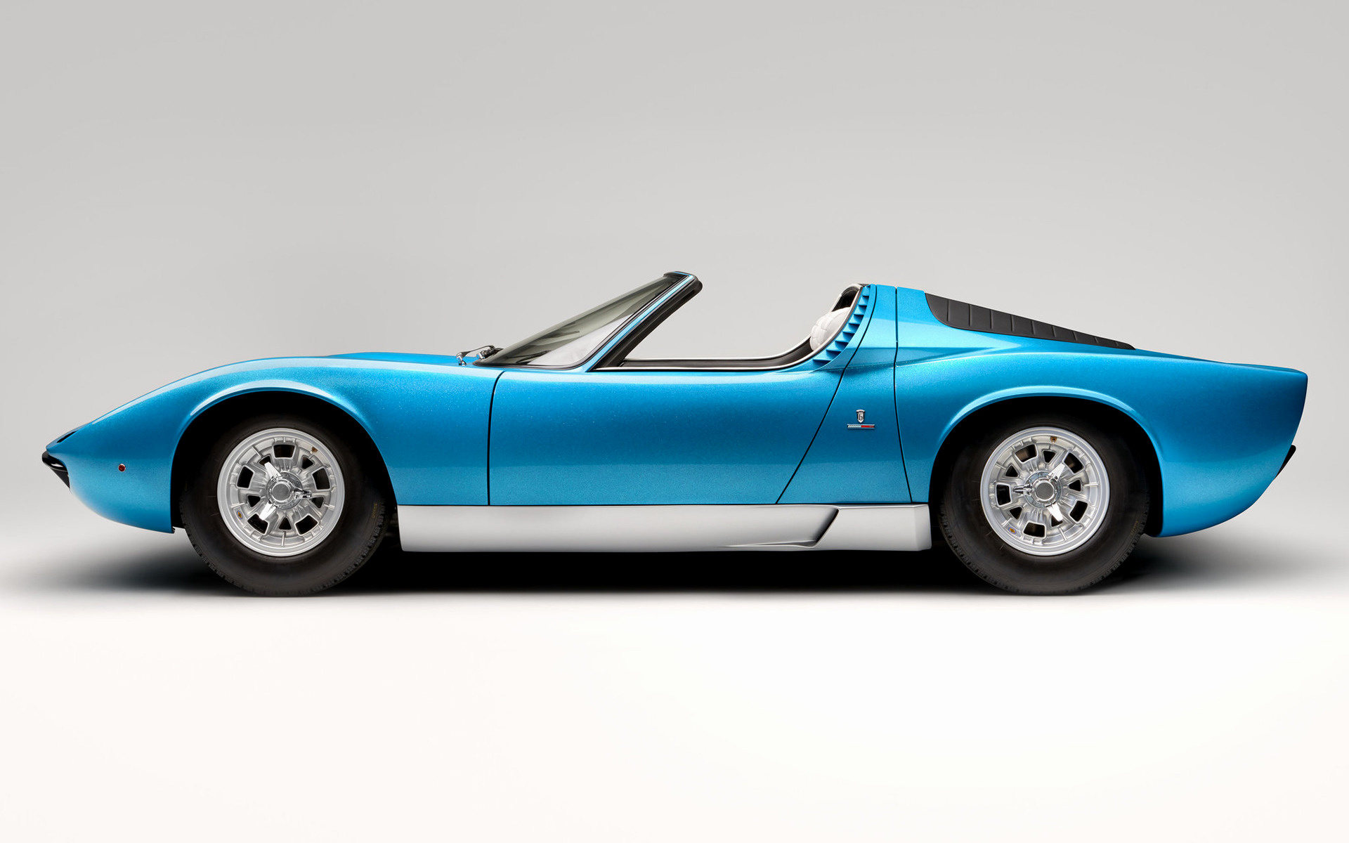 https://www.carpixel.net/w/3f889e855bc798f843ba08dfe6915637/lamborghini-miura-roadster-car-wallpaper-72244.jpg