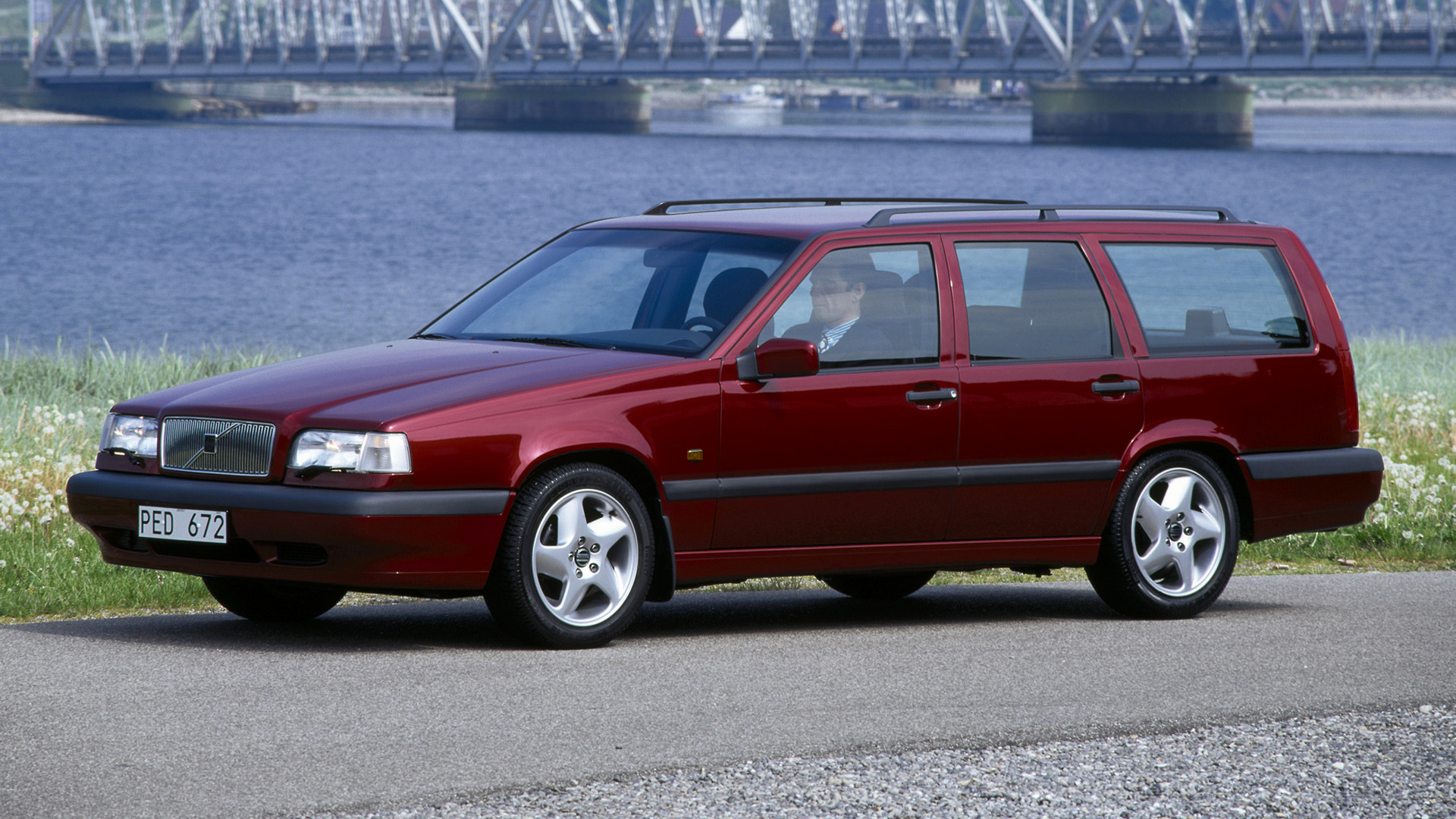 volvo 850 turbo kombi 1994 wallpapers and hd images. Black Bedroom Furniture Sets. Home Design Ideas