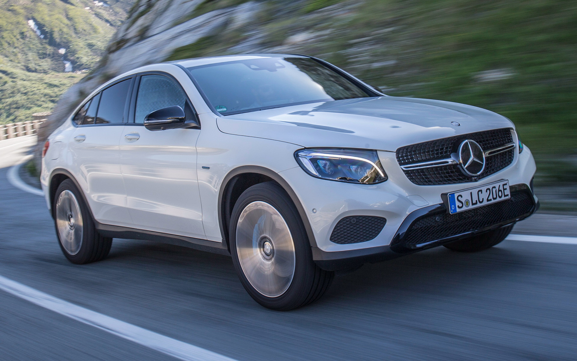 mercedes benz glc class coupe plug in hybrid 2016. Black Bedroom Furniture Sets. Home Design Ideas