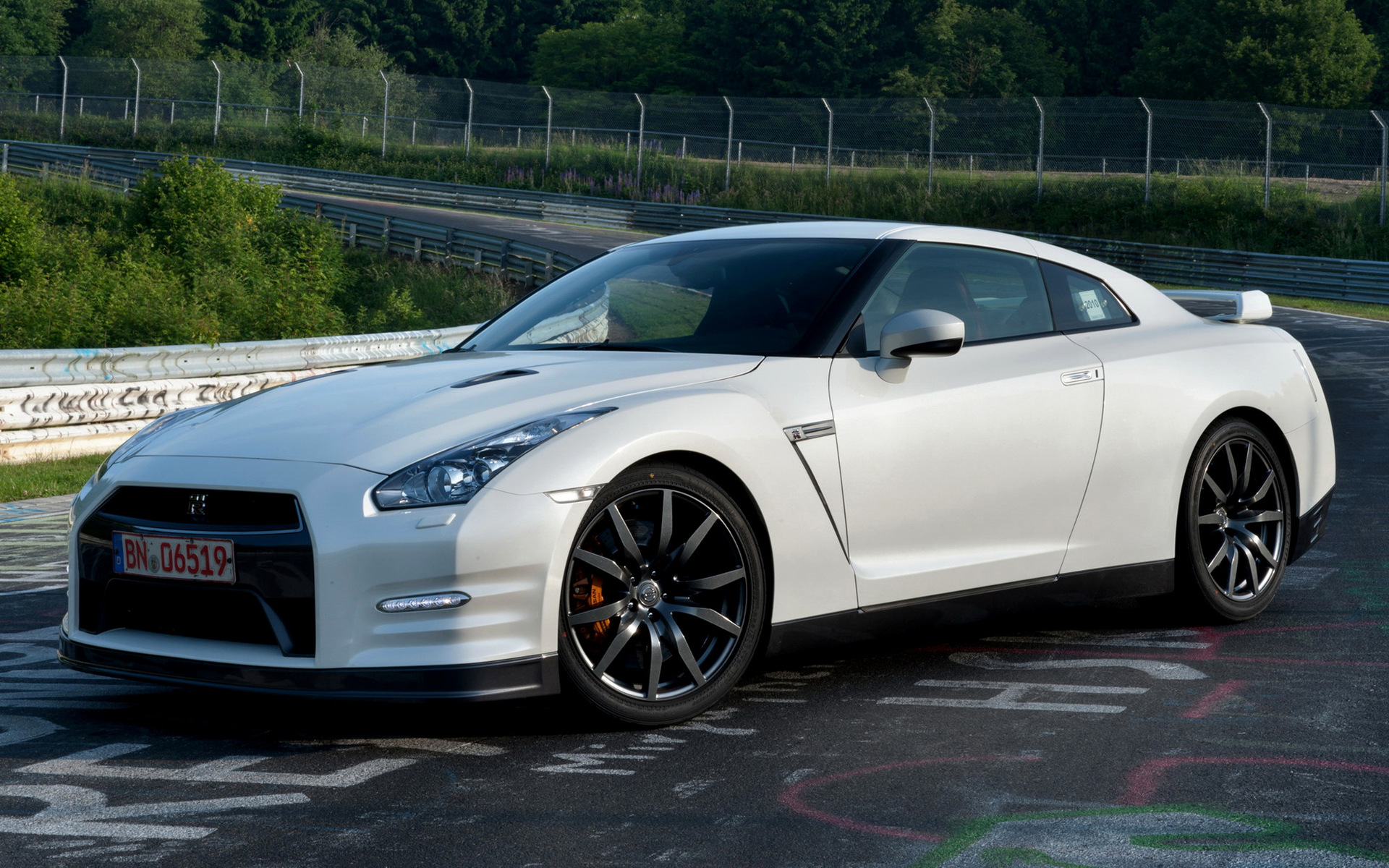 Nissan Gt R Black Edition 2010 Wallpapers And Hd Images