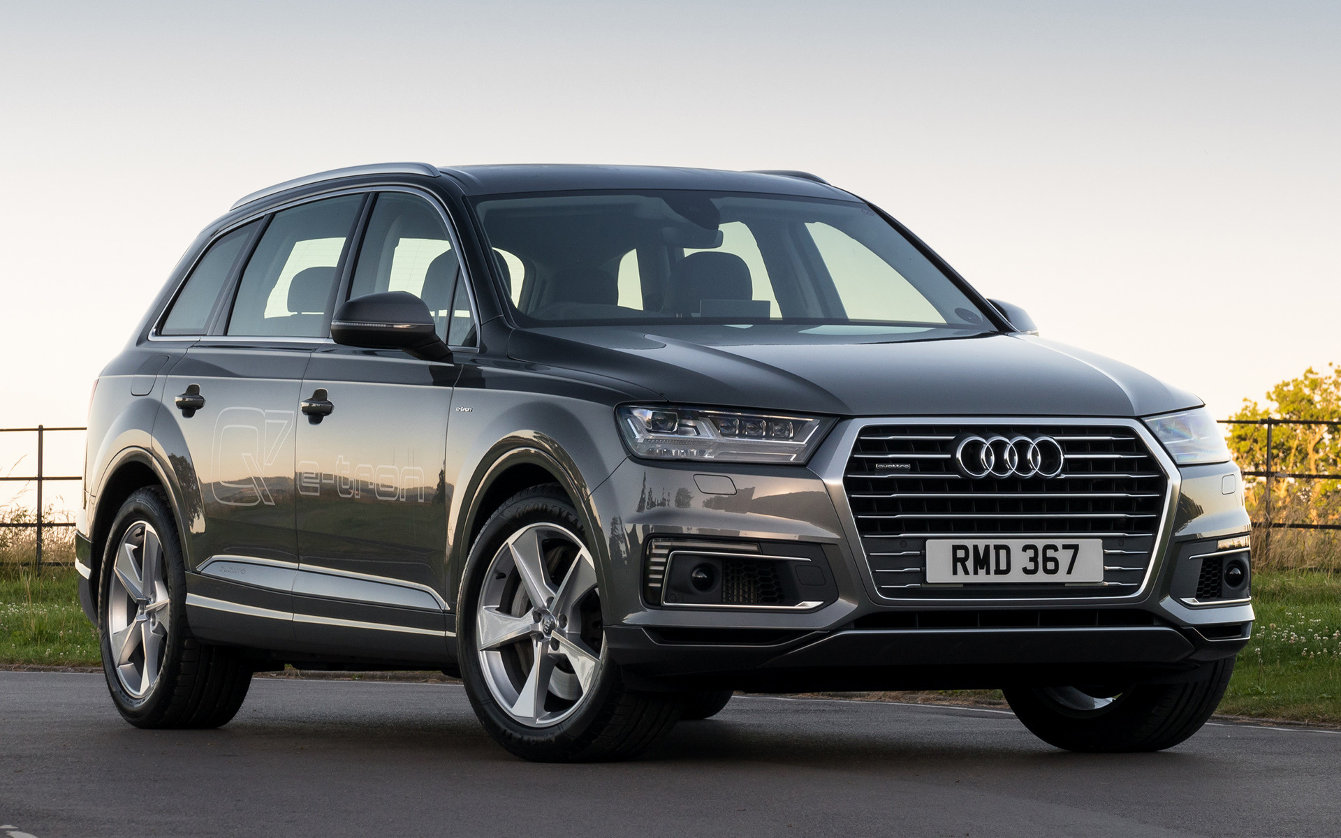 Audi Q7 E Tron 2016 Uk Wallpapers And Hd Images Car Pixel