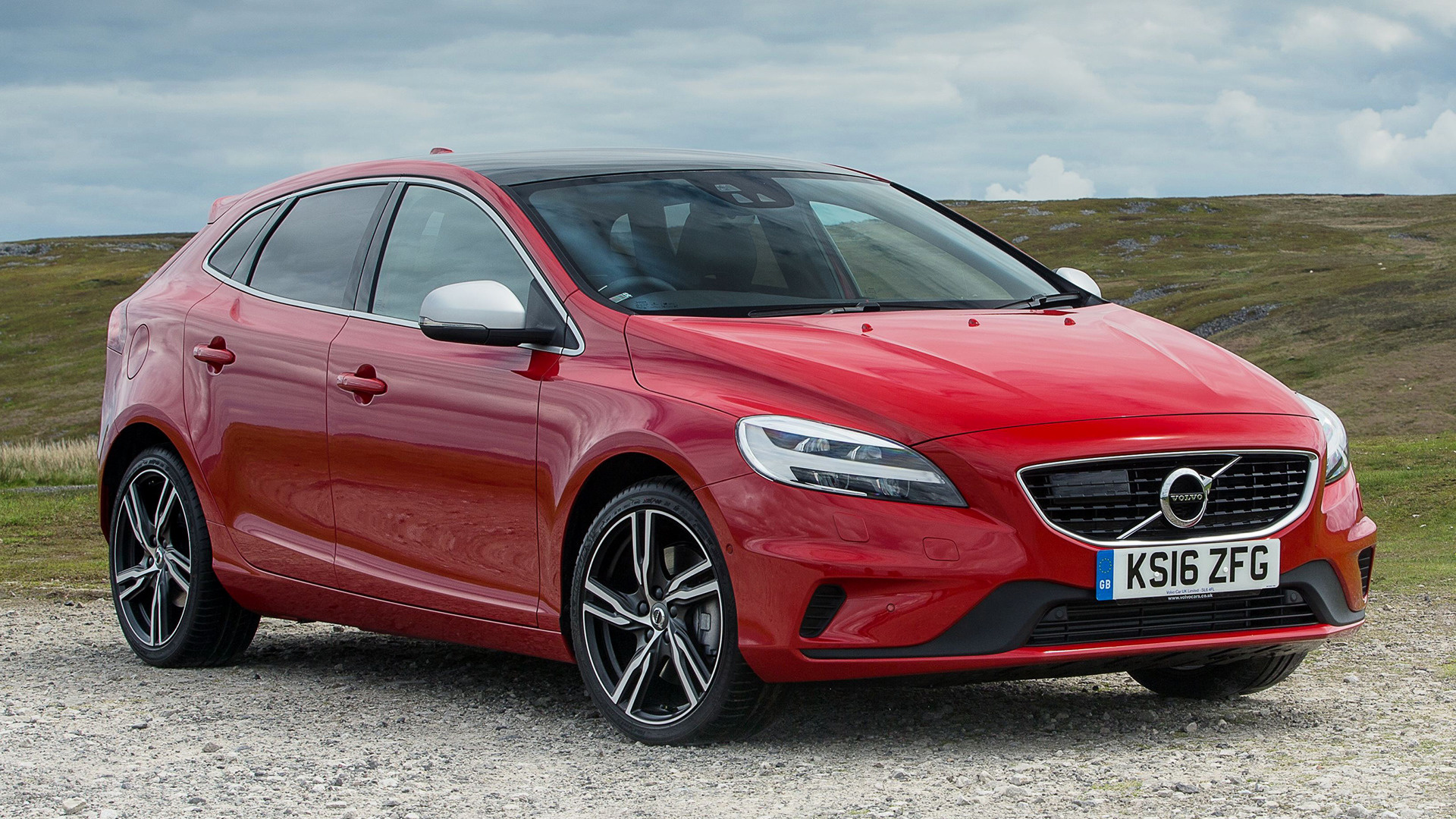Volvo V40 R-Design (2016) UK Wallpapers and HD Images - Car Pixel