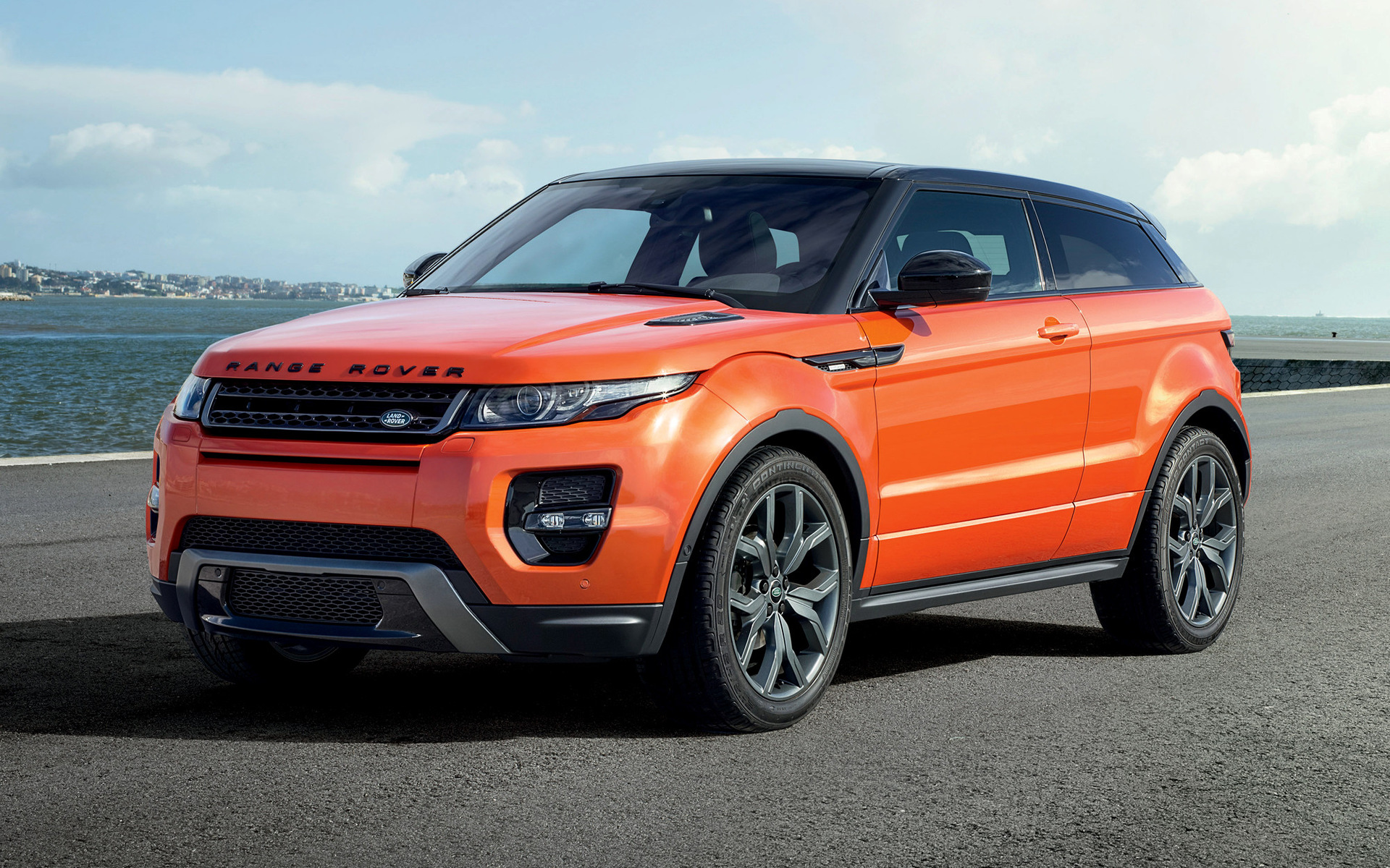 range rover evoque coupe autobiography dynamic 2014 wallpapers and hd images car pixel. Black Bedroom Furniture Sets. Home Design Ideas
