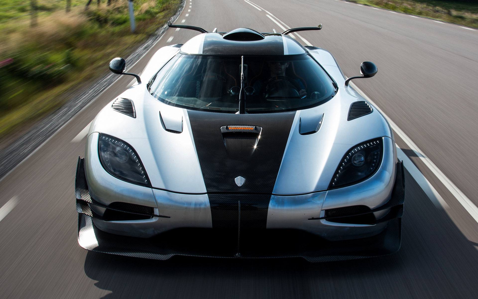 2014 Koenigsegg One 1 Wallpapers And Hd Images Car Pixel