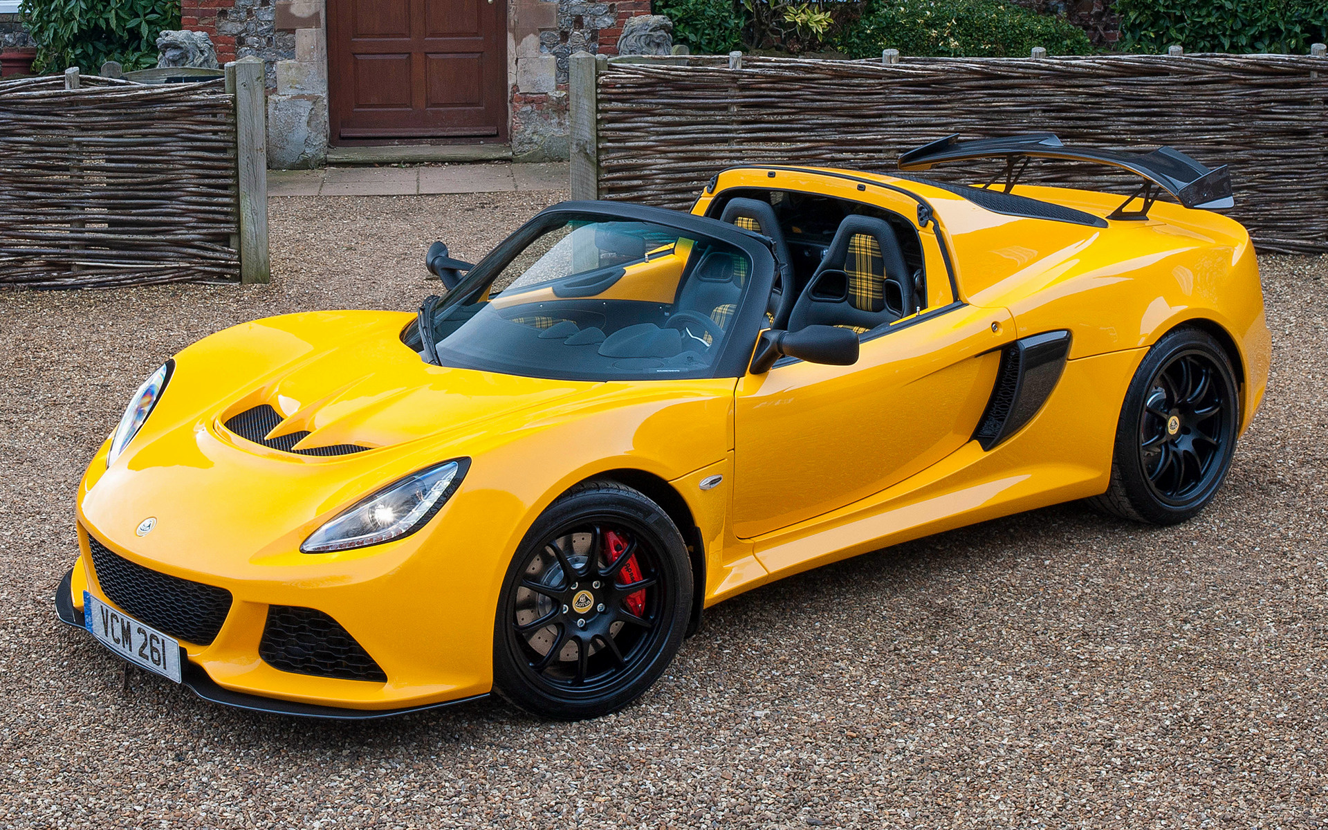 https://www.carpixel.net/w/4cfaea50f685a47484f9bfae64ac1dc7/lotus-exige-sport-350-roadster-car-wallpaper-40558.jpg