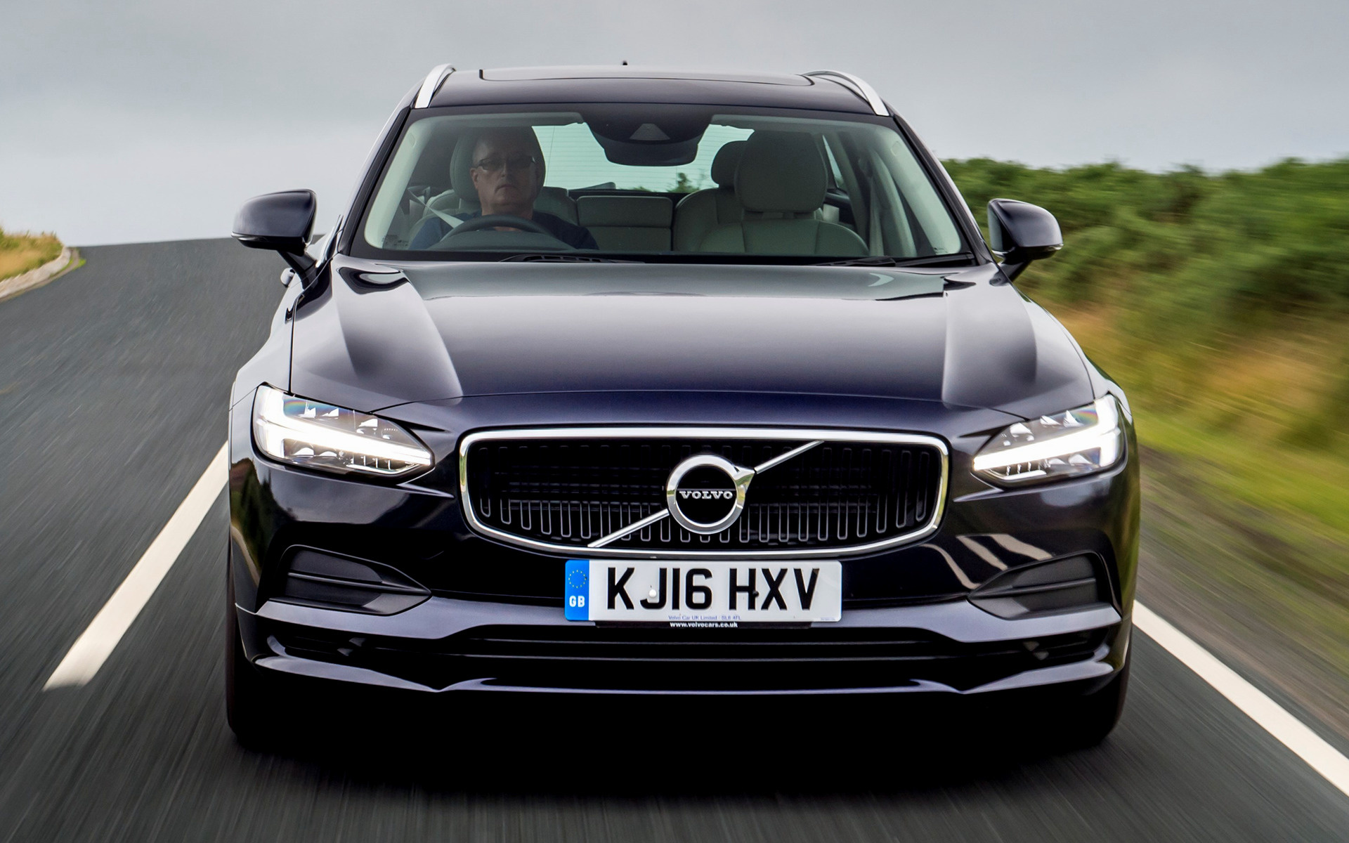 Volvo V90 Momentum 2016 Uk Wallpapers And Hd Images