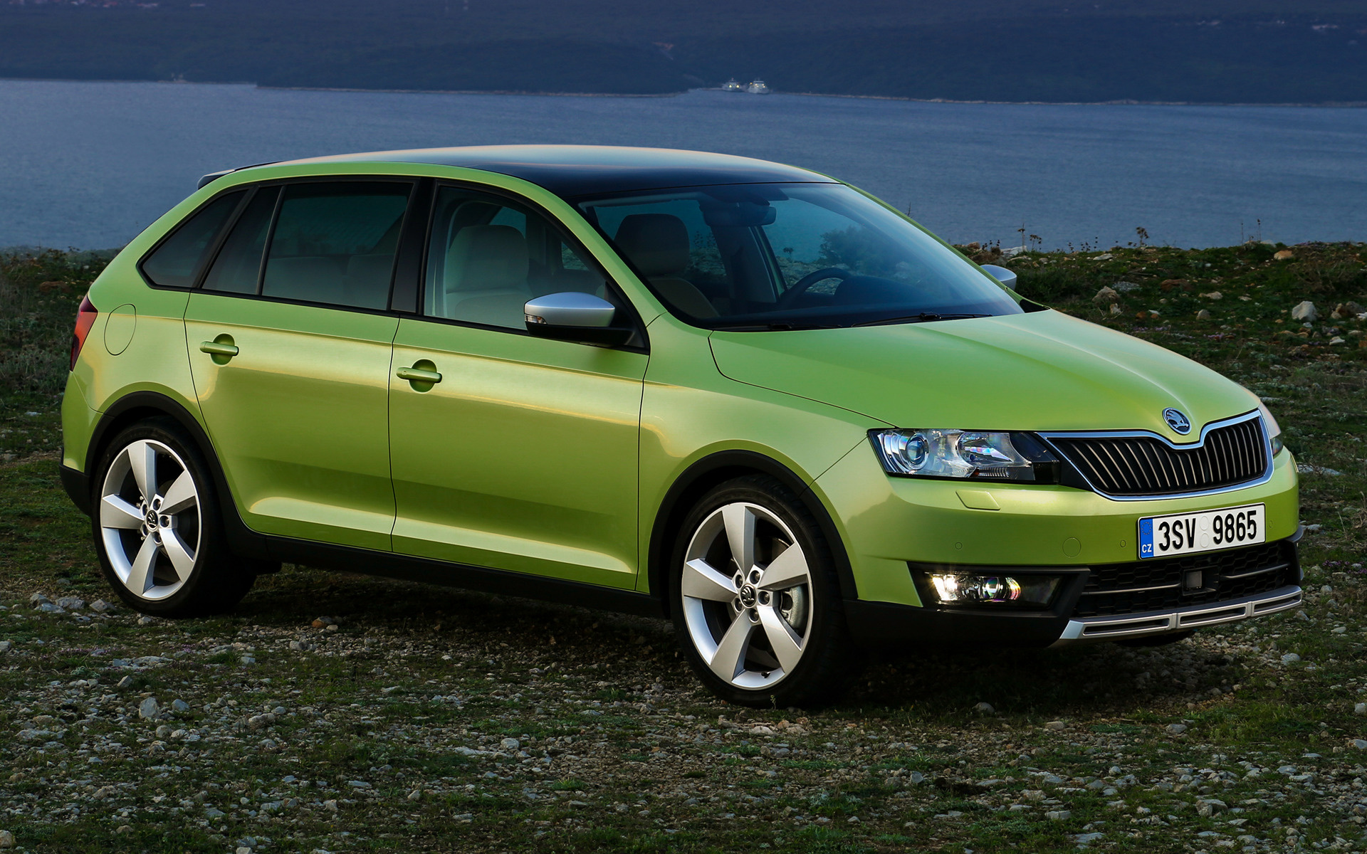 Skoda Rapid Spaceback Scoutline 2015 Wallpapers And Hd