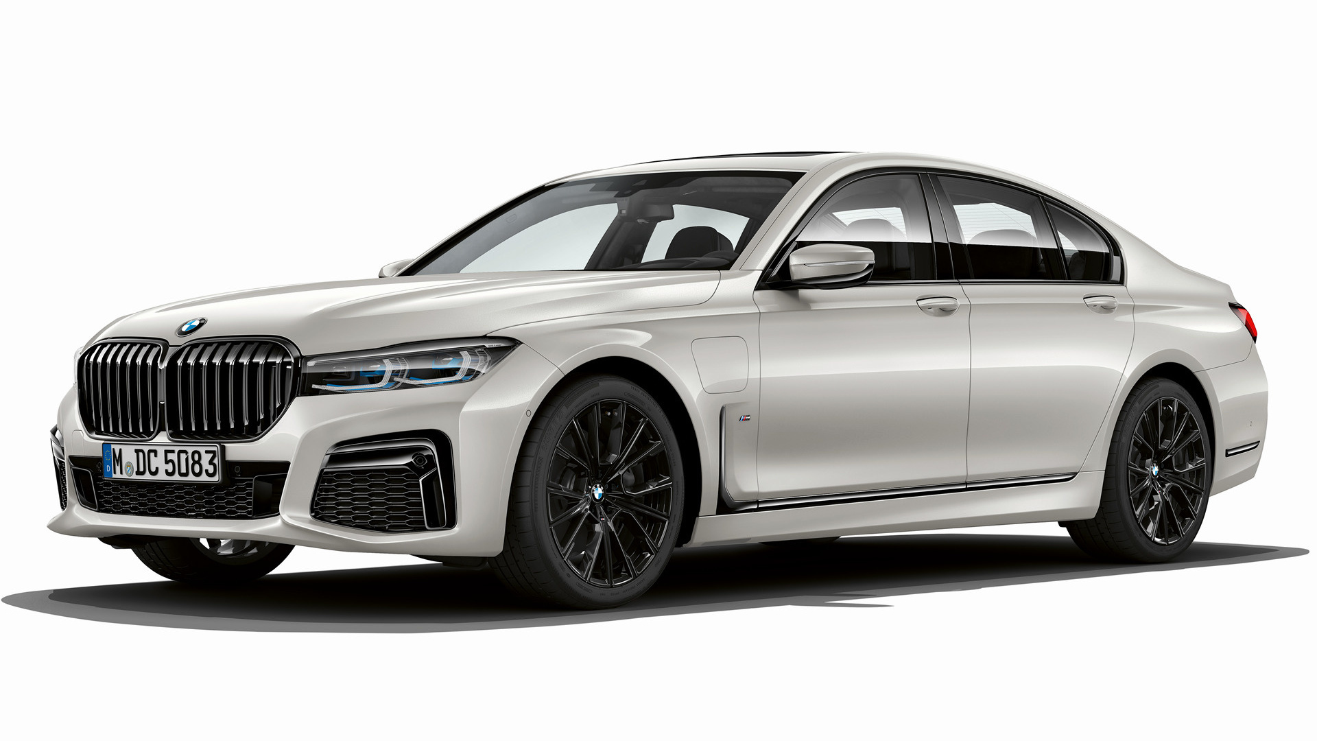 2019 bmw 7 series plug in hybrid m sport wallpapers and. Black Bedroom Furniture Sets. Home Design Ideas
