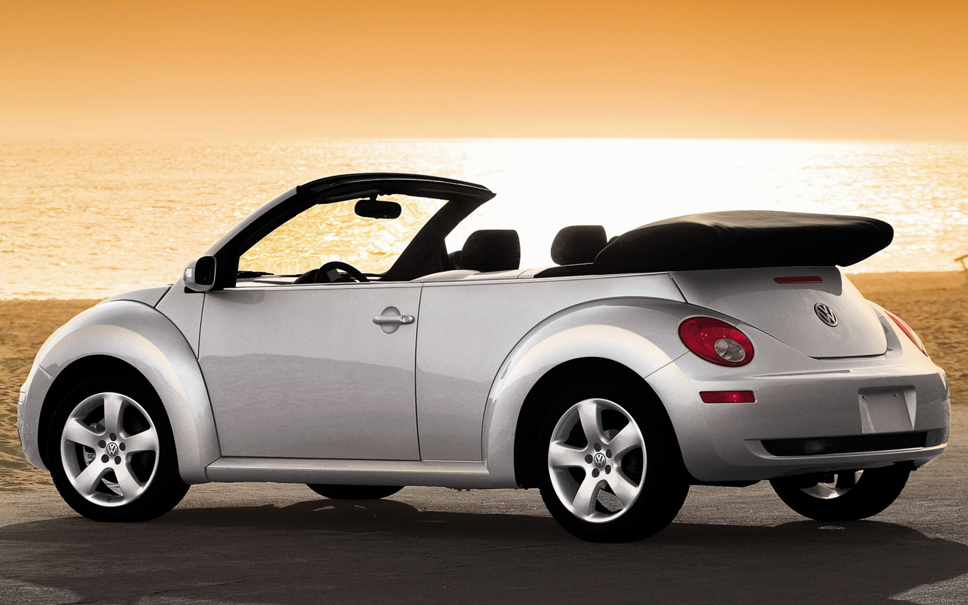 Volkswagen New Beetle Convertible (2006) US Wallpapers and HD Images - Car Pixel