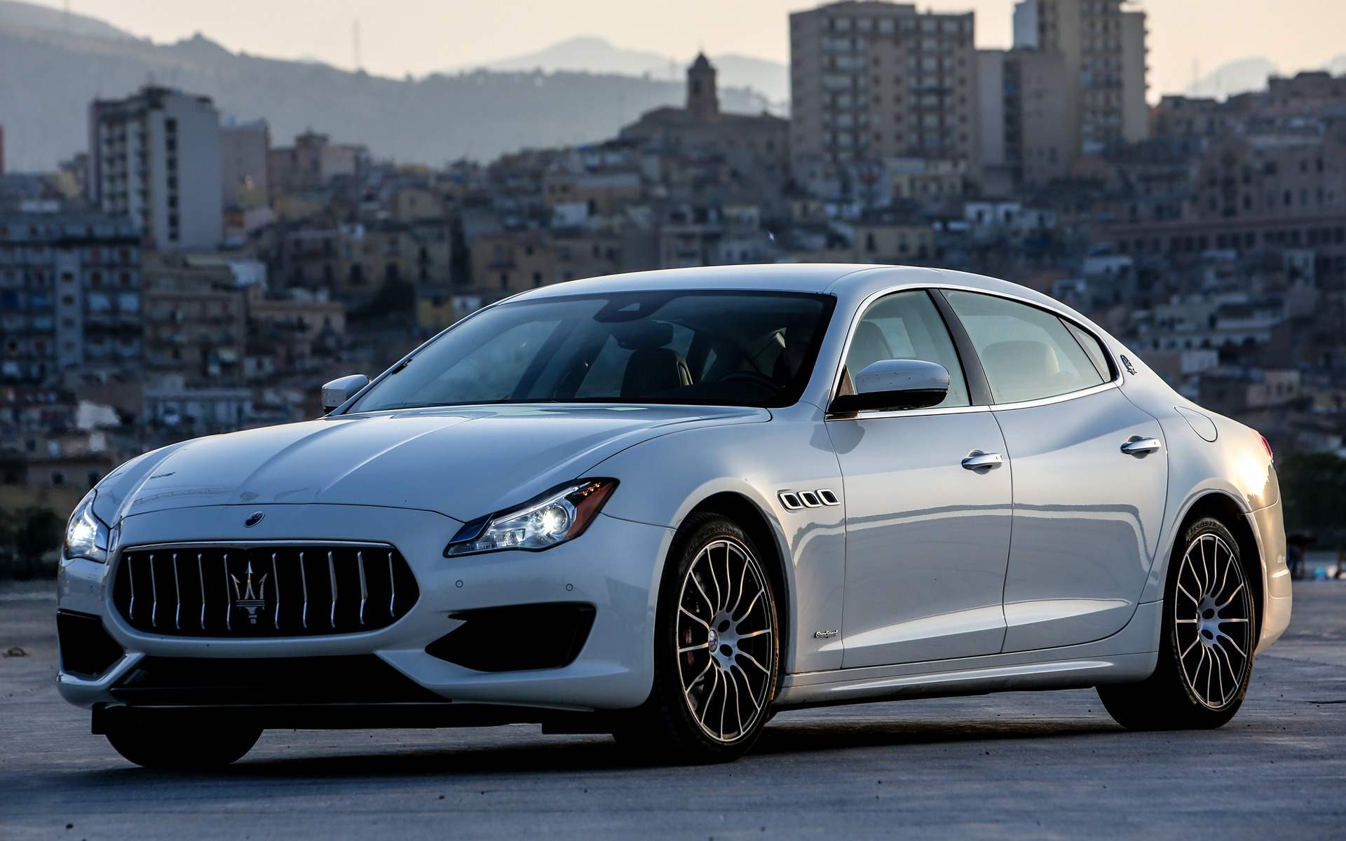 2016 Maserati Quattroporte GTS GranSport - Wallpapers and ...