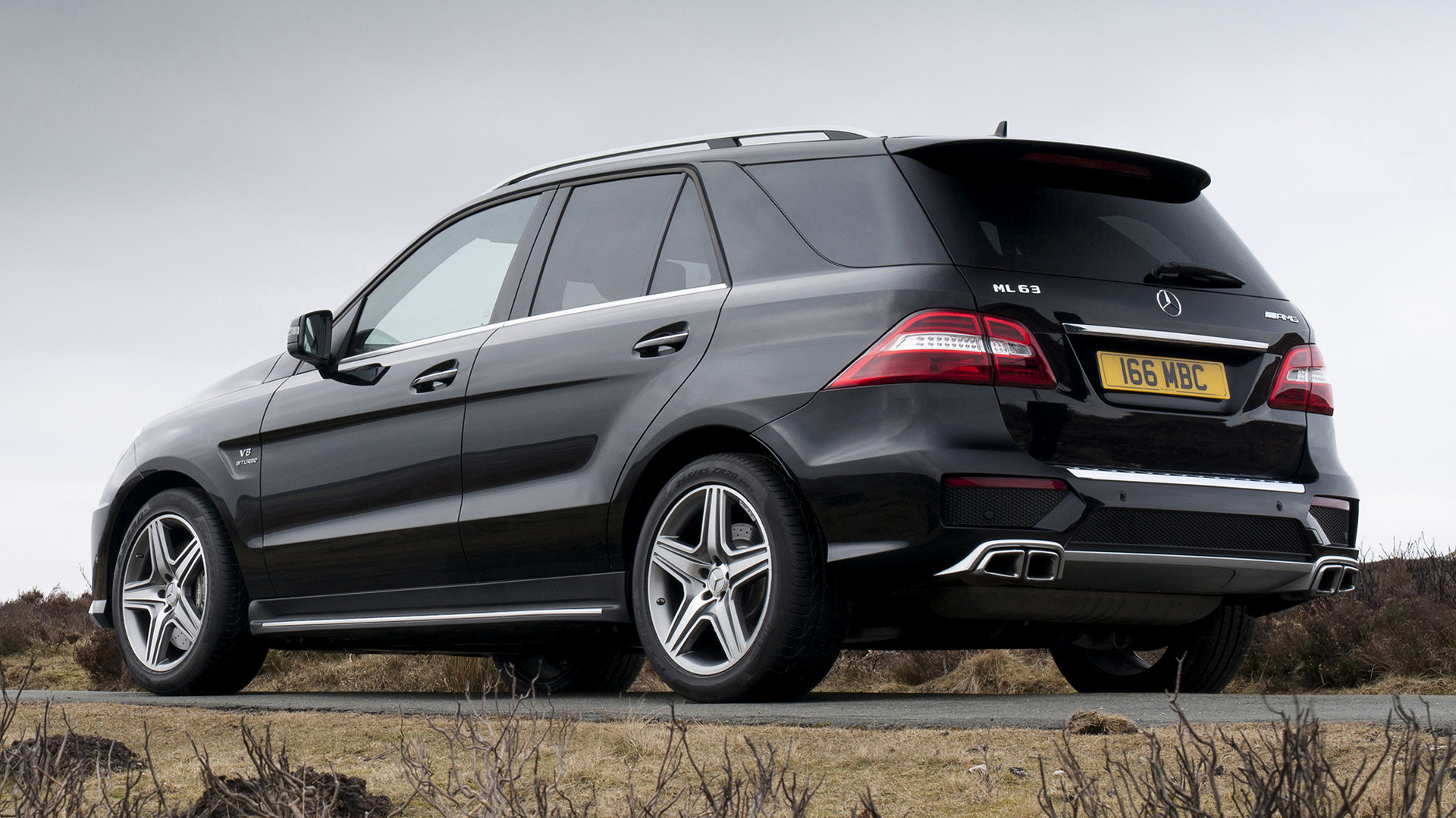 mercedes benz ml 63 amg 2012 uk wallpapers and hd images car pixel. Black Bedroom Furniture Sets. Home Design Ideas