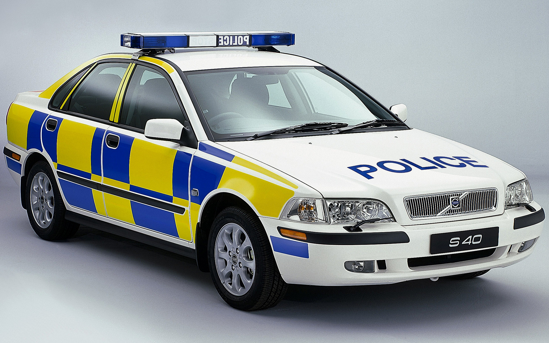 2000 volvo s40 police uk wallpapers and hd images. Black Bedroom Furniture Sets. Home Design Ideas