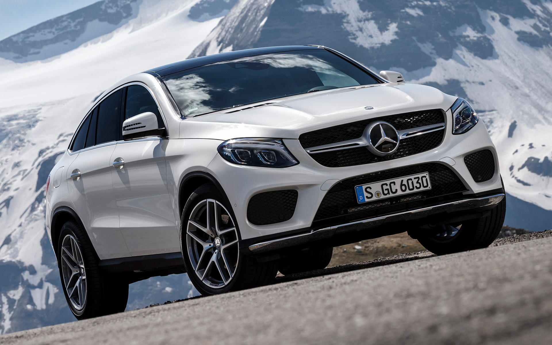 Mercedes benz gle class coupe amg line 2015 wallpapers for Mercedes benz sedan line