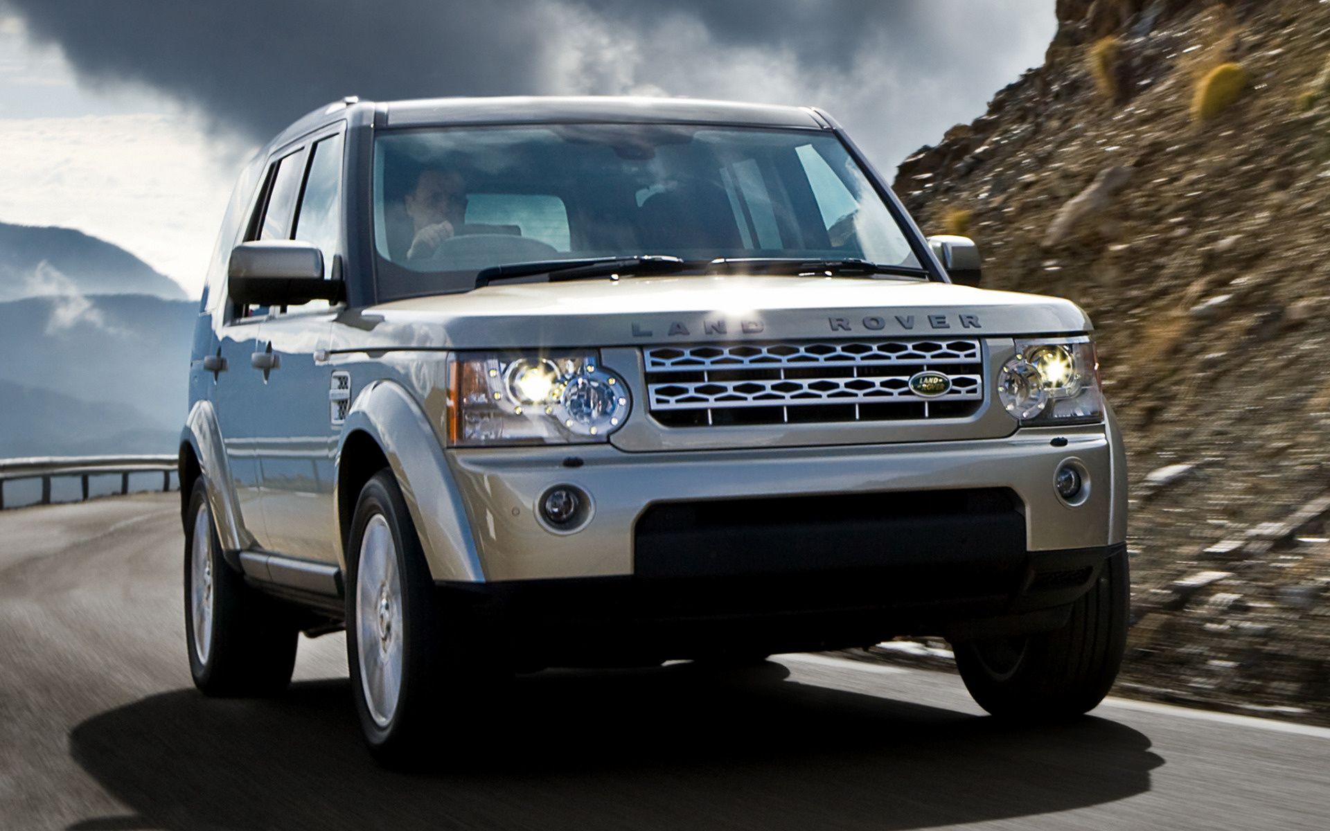 2009 land rover discovery 4 hse uk wallpapers and hd. Black Bedroom Furniture Sets. Home Design Ideas