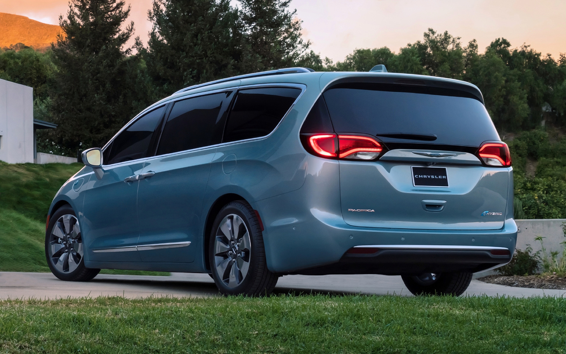 2017 Chrysler Pacifica Hybrid Wallpapers And Hd Images