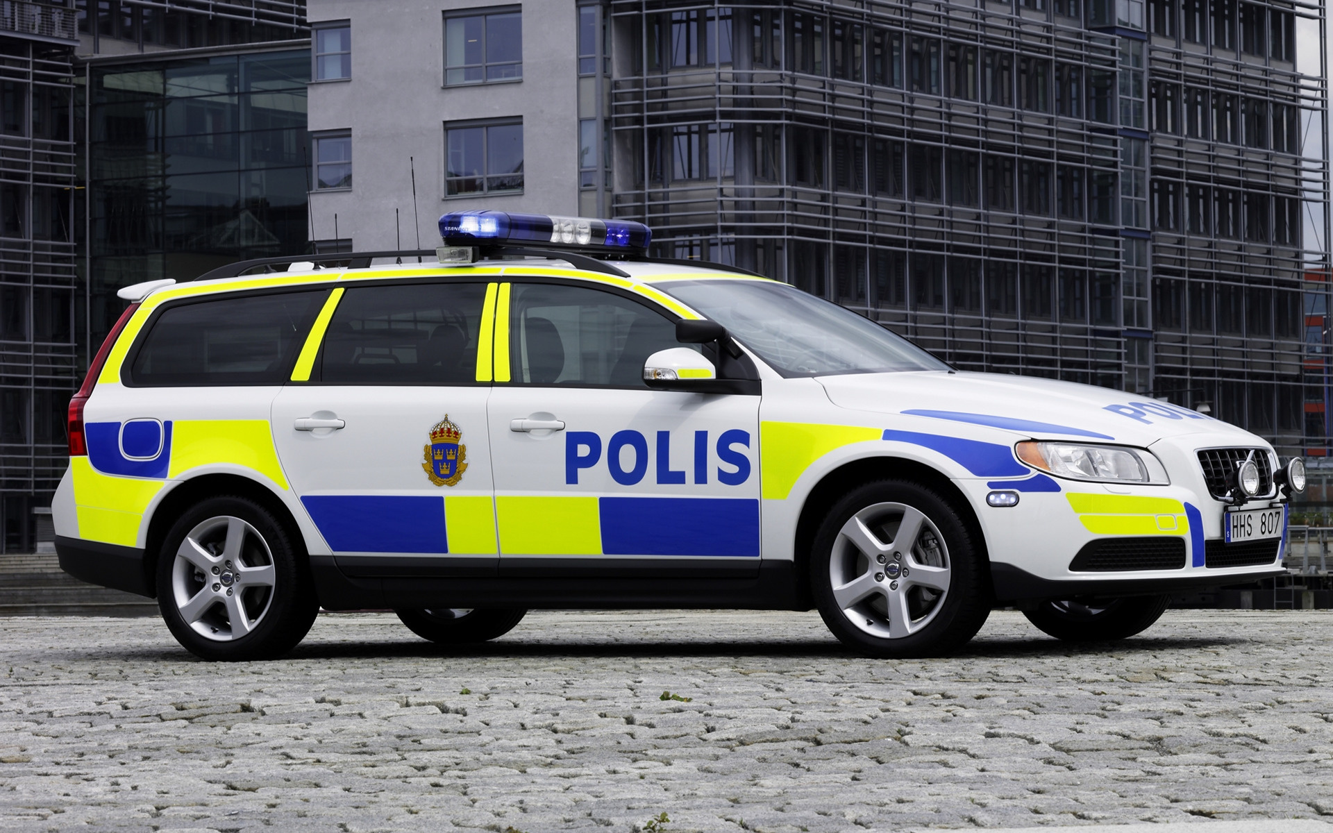 Volvo V Polis Car Wallpaper