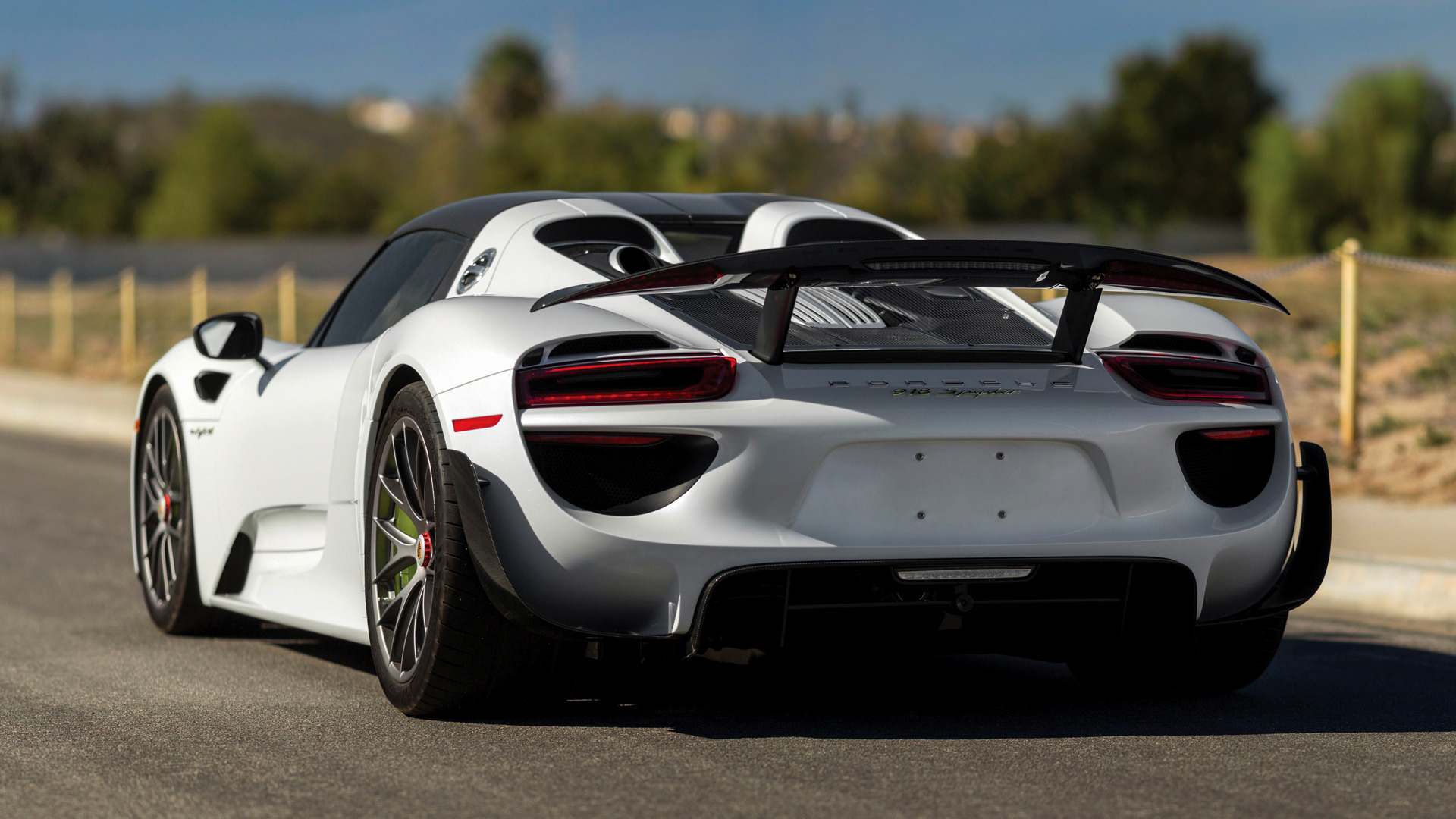 2014 porsche 918 spyder weissach package us wallpapers. Black Bedroom Furniture Sets. Home Design Ideas