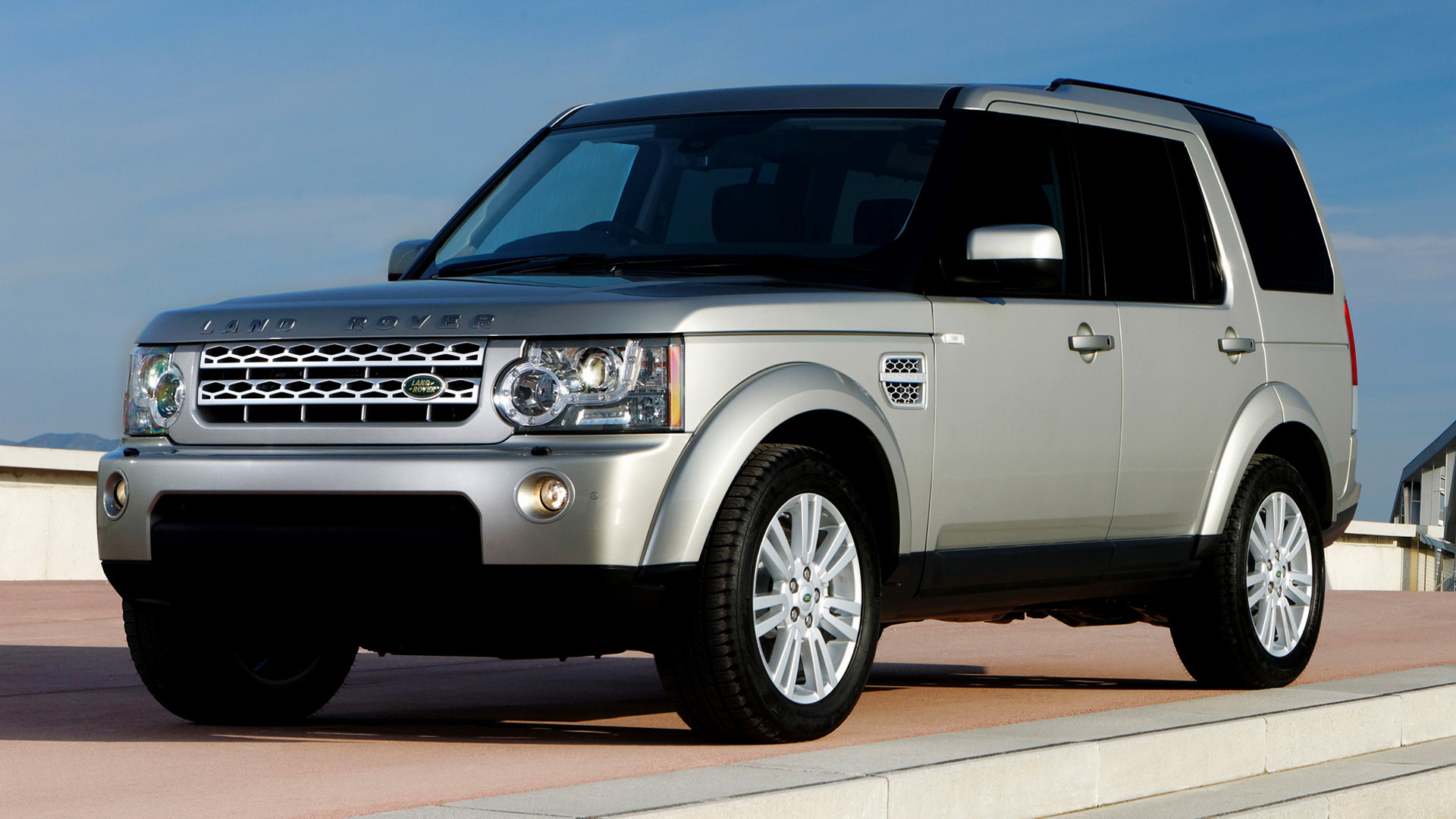Luxury Car Brands >> 2009 Land Rover Discovery 4 HSE (UK) - Wallpapers and HD Images | Car Pixel