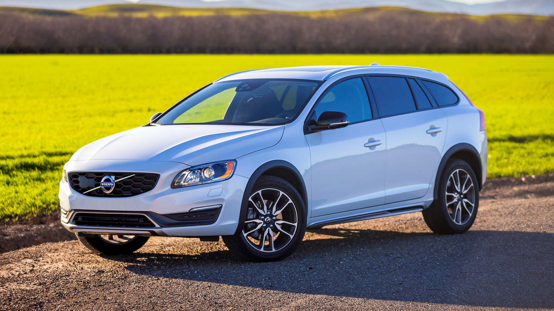 volvo v60 cross country 2015 us wallpapers and hd images. Black Bedroom Furniture Sets. Home Design Ideas