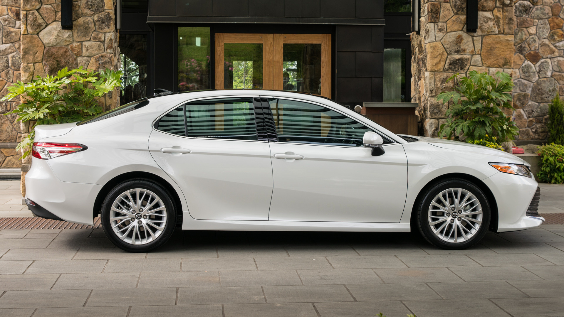 Toyota Camry XLE (2018) Wallpapers and HD Images - Car Pixel