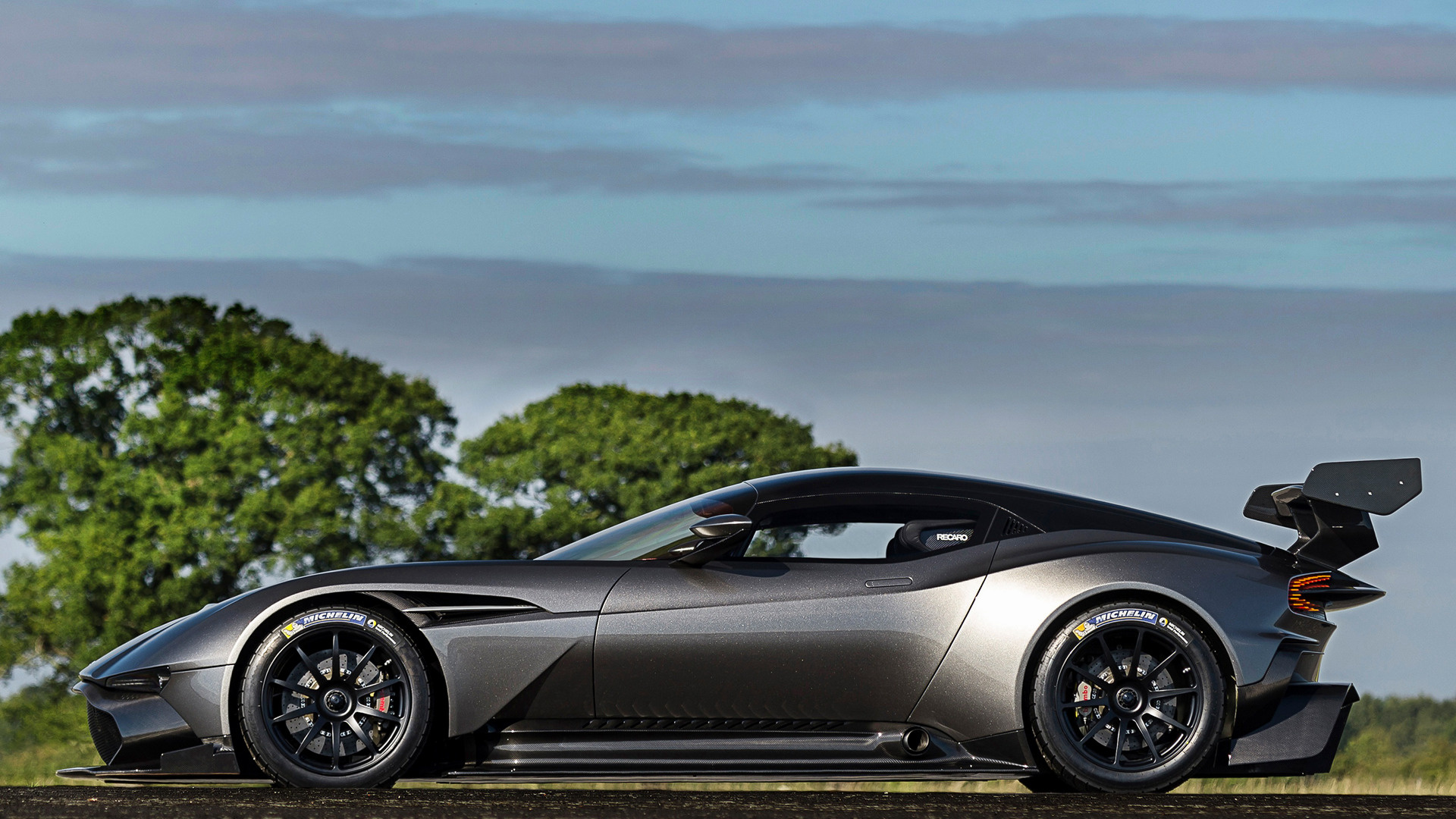 Aston Martin Vulcan 2015 Wallpapers And Hd Images Car