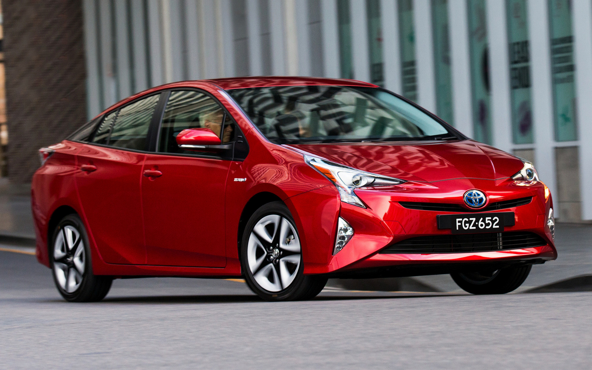 first of drive prius better that the s and point toyota thats