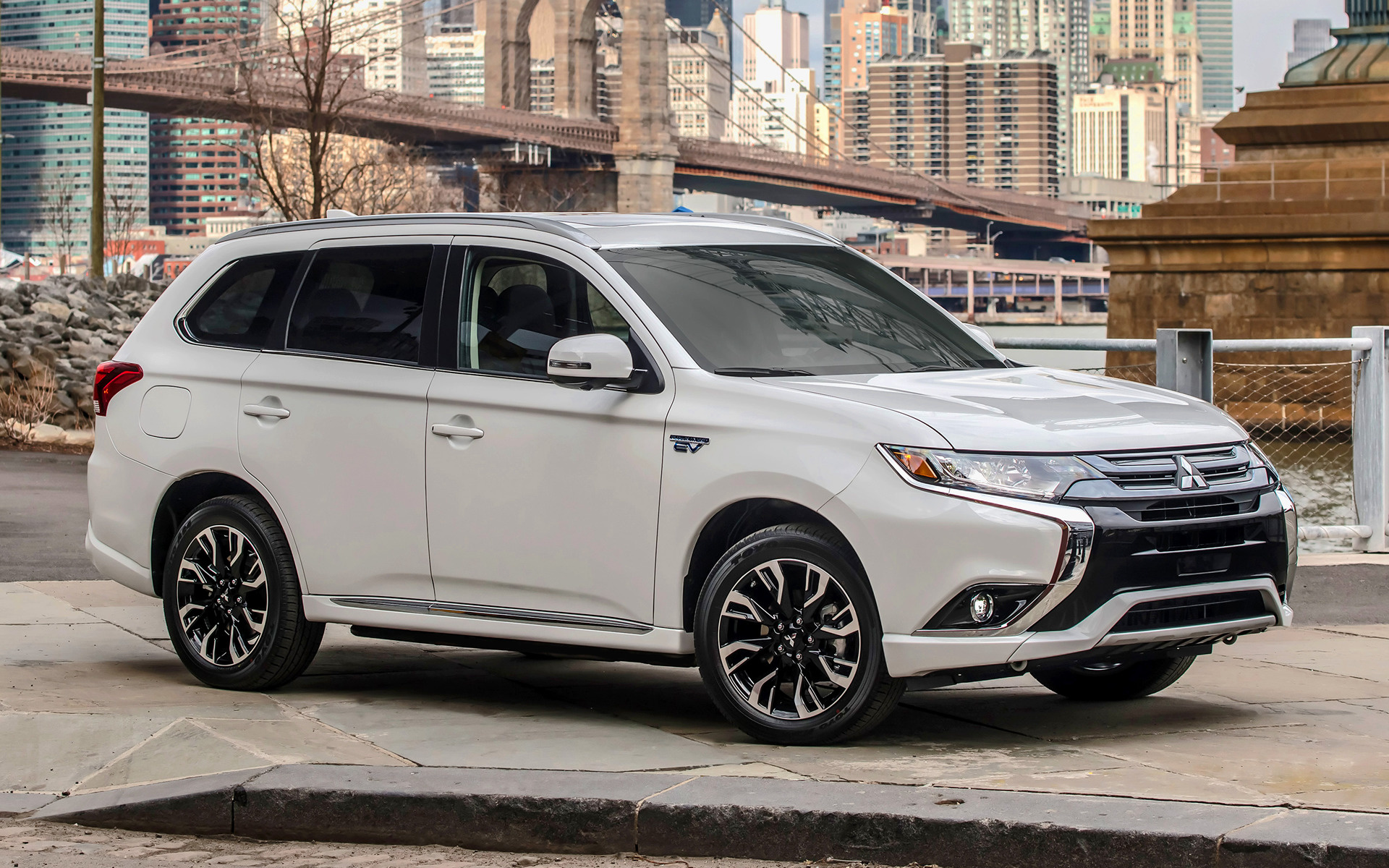 Mitsubishi Outlander PHEV (2017) US Wallpapers and HD Images - Car Pixel