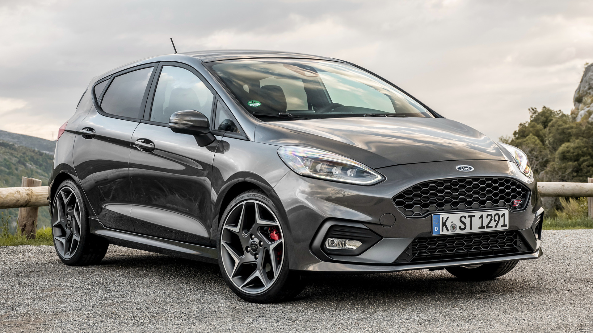2018 ford fiesta st 5 door wallpapers and hd images. Black Bedroom Furniture Sets. Home Design Ideas