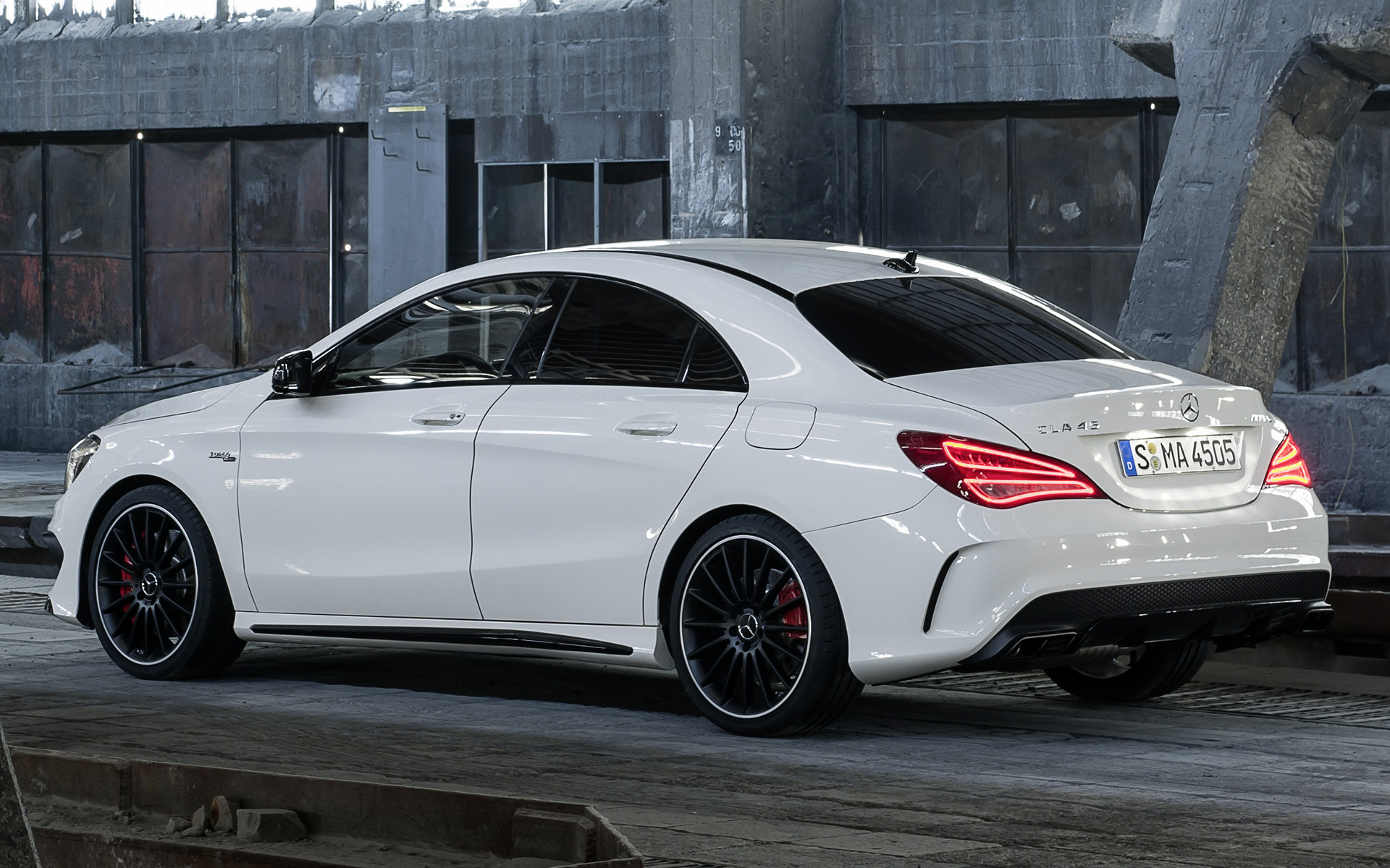 2013 mercedes benz cla 45 amg wallpapers and hd images. Black Bedroom Furniture Sets. Home Design Ideas