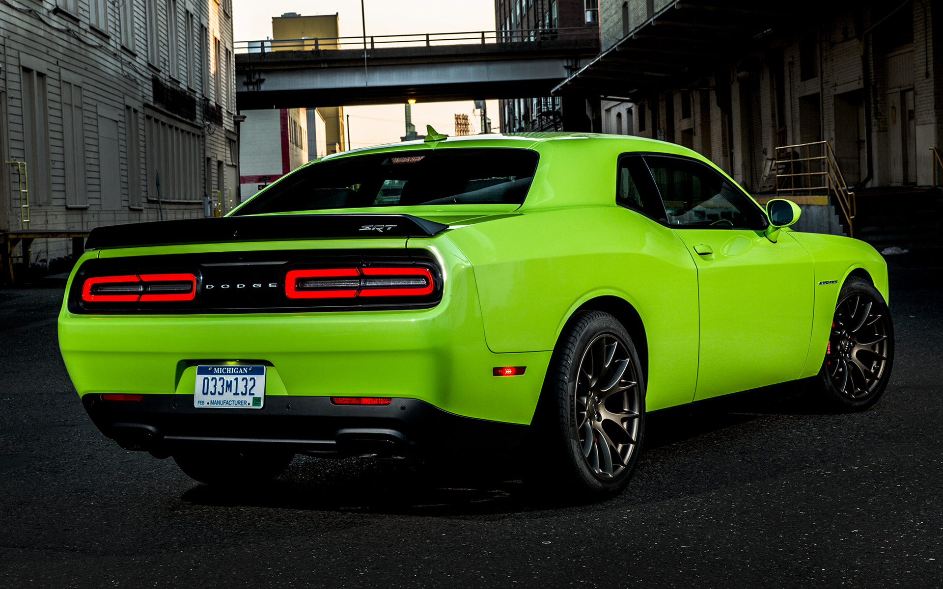 Dodge Challenger SRT Hellcat (2015) Wallpapers and HD Images