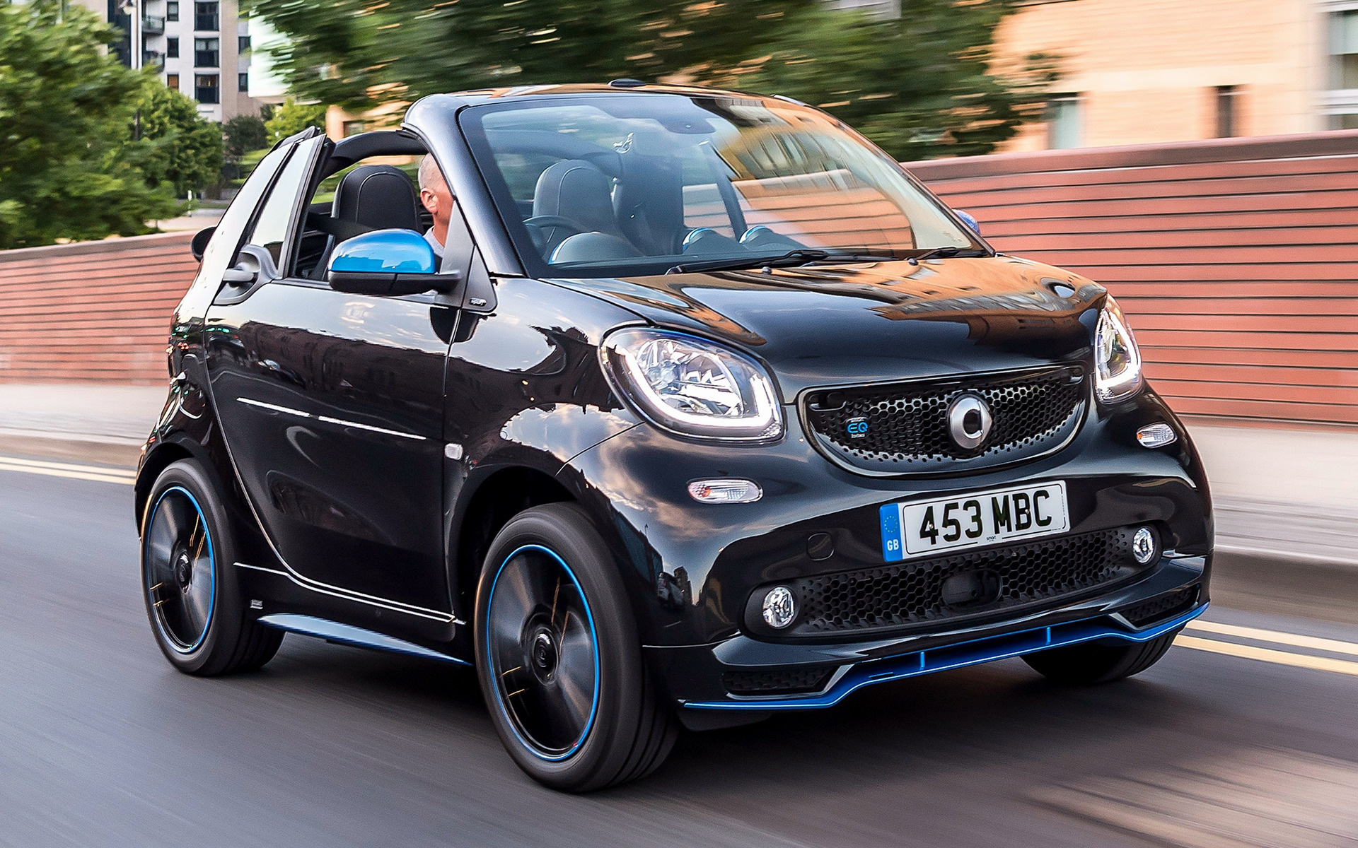 2018 Smart Eq Fortwo Cabrio Nightsky Edition Uk