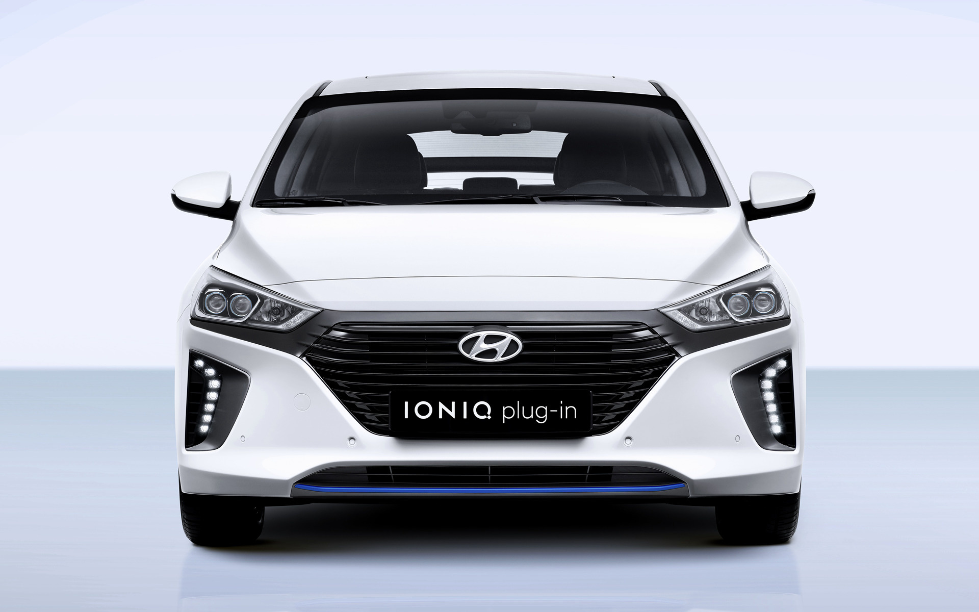 hyundai ioniq plug in 2016 wallpapers and hd images car pixel. Black Bedroom Furniture Sets. Home Design Ideas