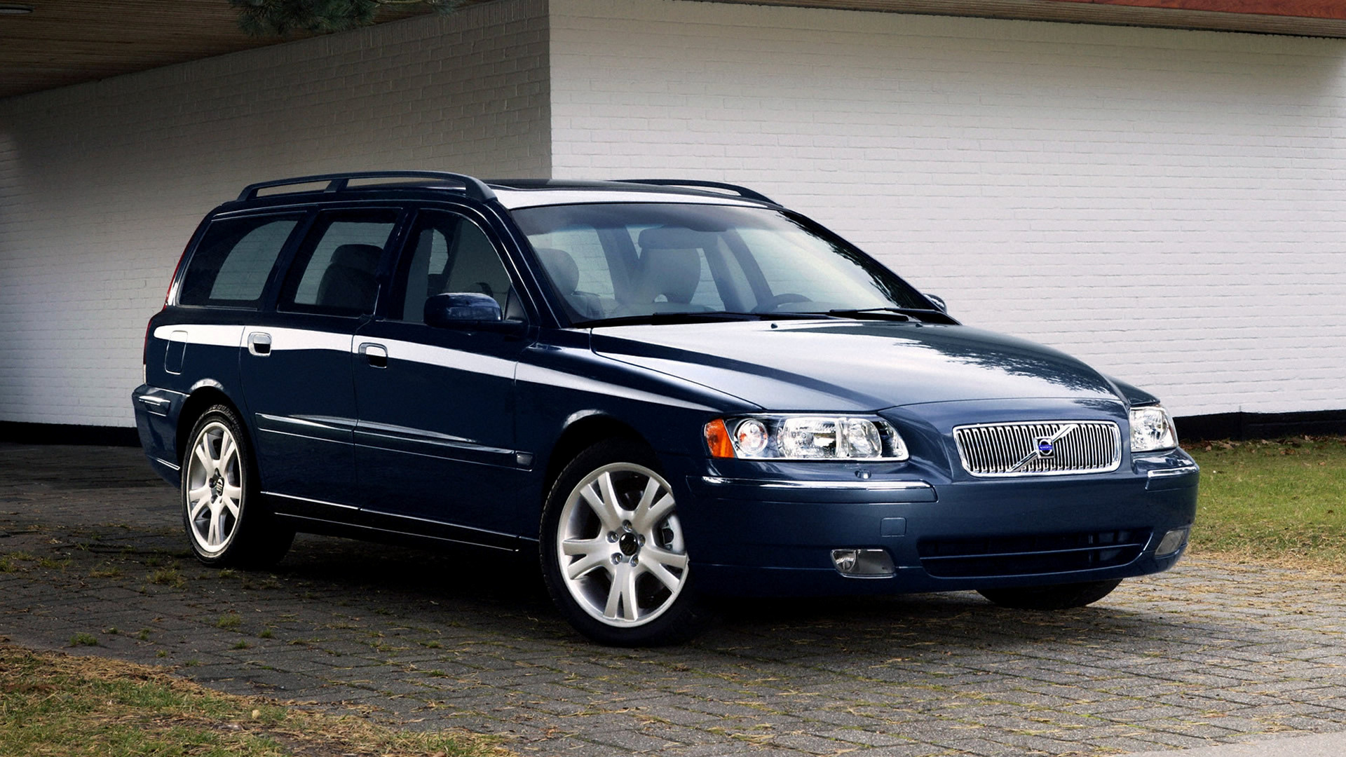 Volvo V70 (2005) Wallpapers and HD Images - Car Pixel