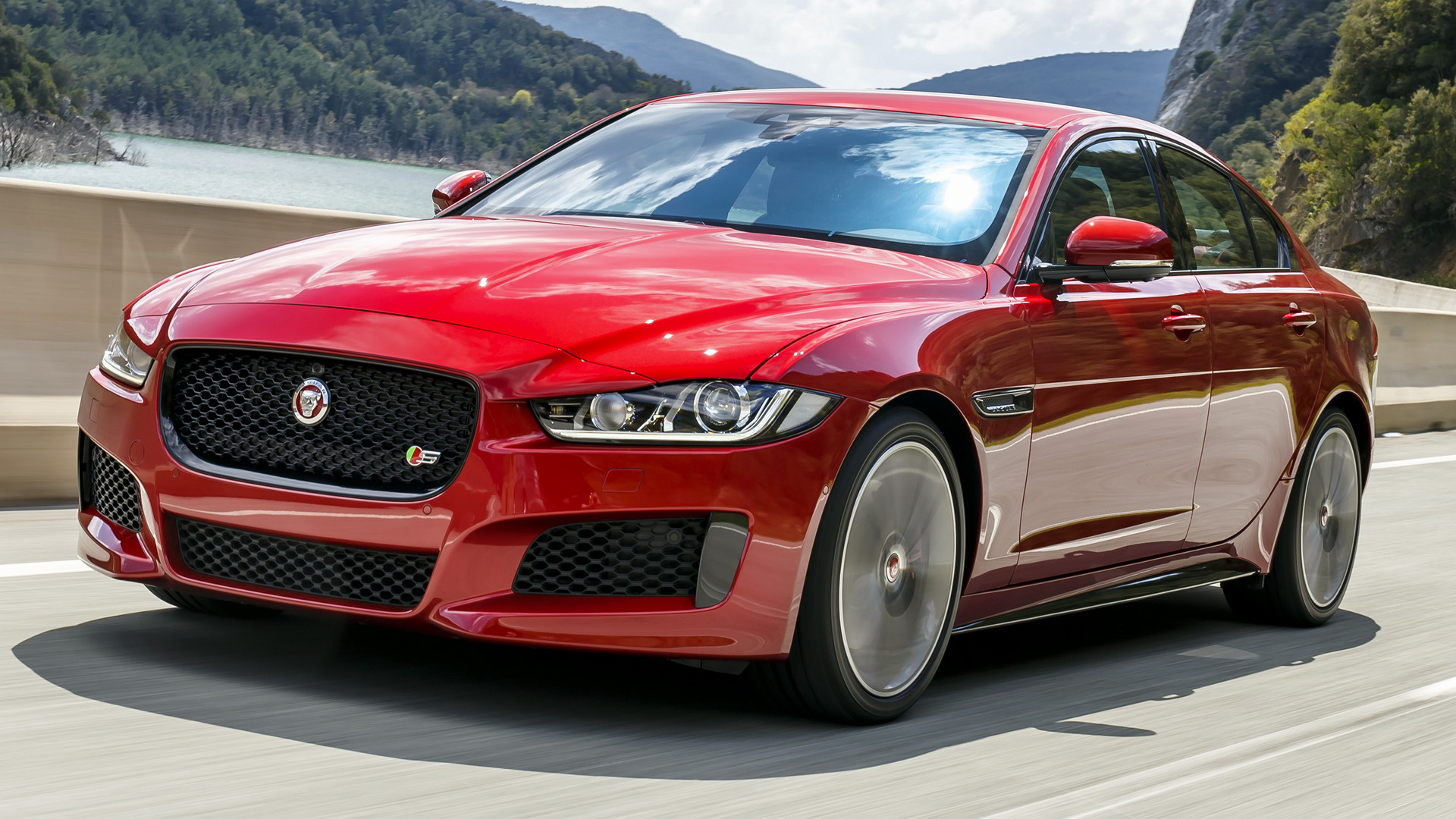 2015 jaguar xe s wallpapers and hd images car pixel. Black Bedroom Furniture Sets. Home Design Ideas