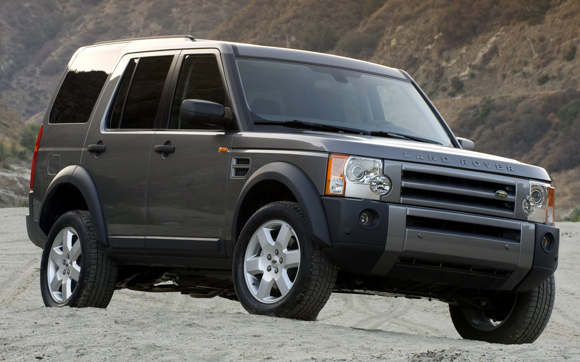 Land Rover Lr3 Hse 2004 Us Wallpapers And Hd Images