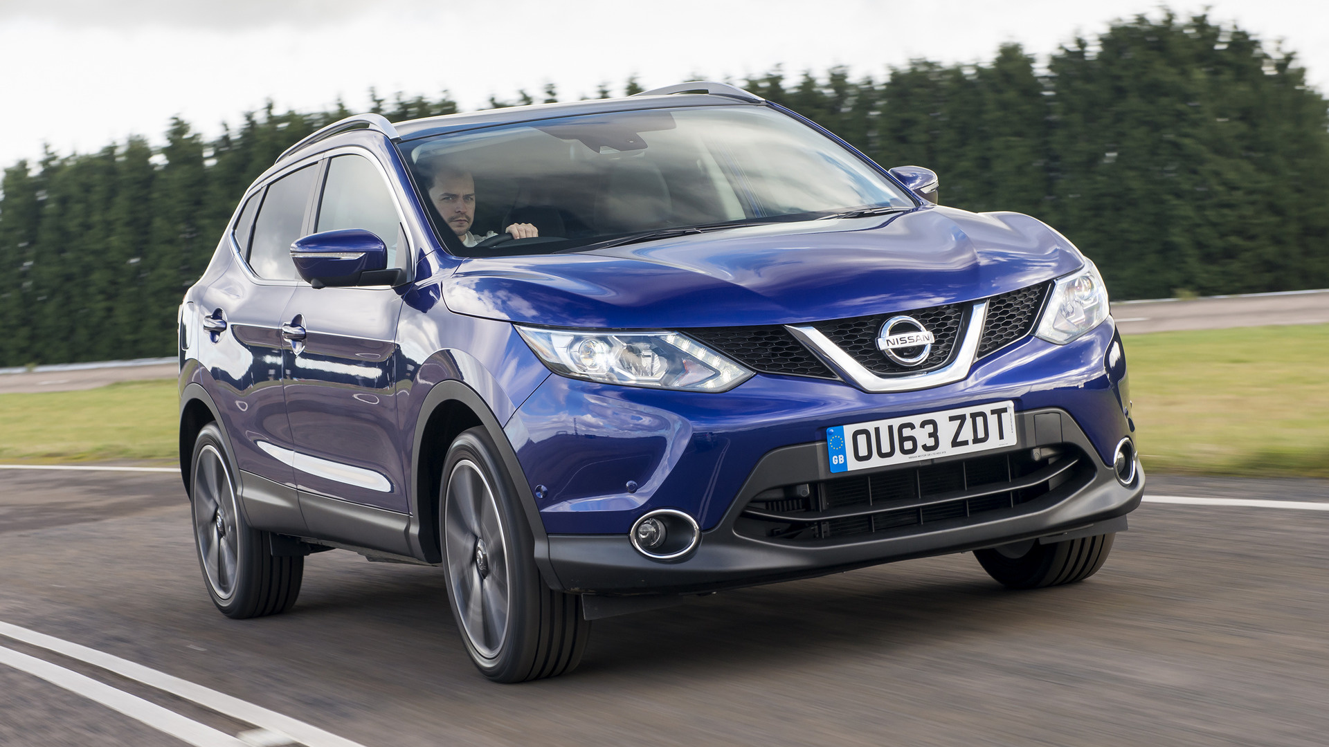nissan qashqai 2014 uk wallpapers and hd images car pixel. Black Bedroom Furniture Sets. Home Design Ideas