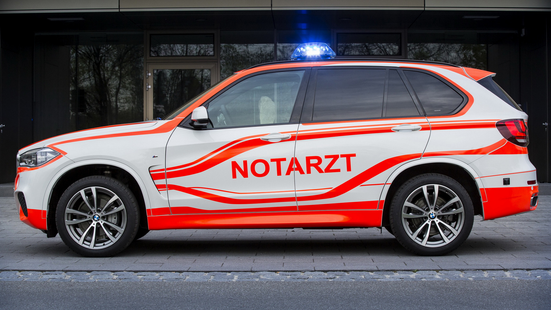 2014 Bmw X5 M Sport Notarzt Wallpapers And Hd Images