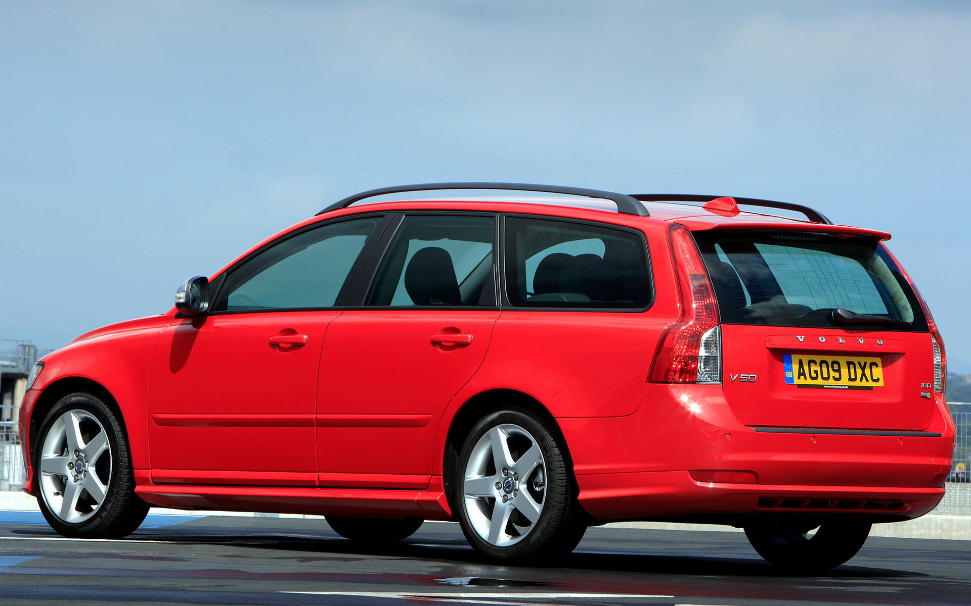 Volvo V50 RDesign 2009 UK Wallpapers and HD Images  Car Pixel