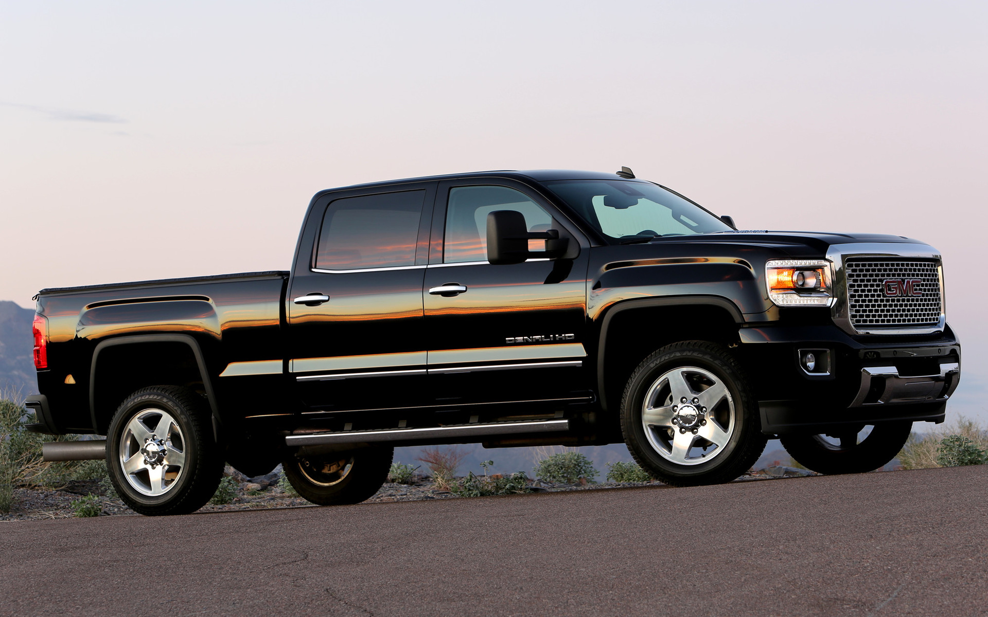 used 2012 gmc sierra 2500 hd denali crew cab pickup autos post. Black Bedroom Furniture Sets. Home Design Ideas