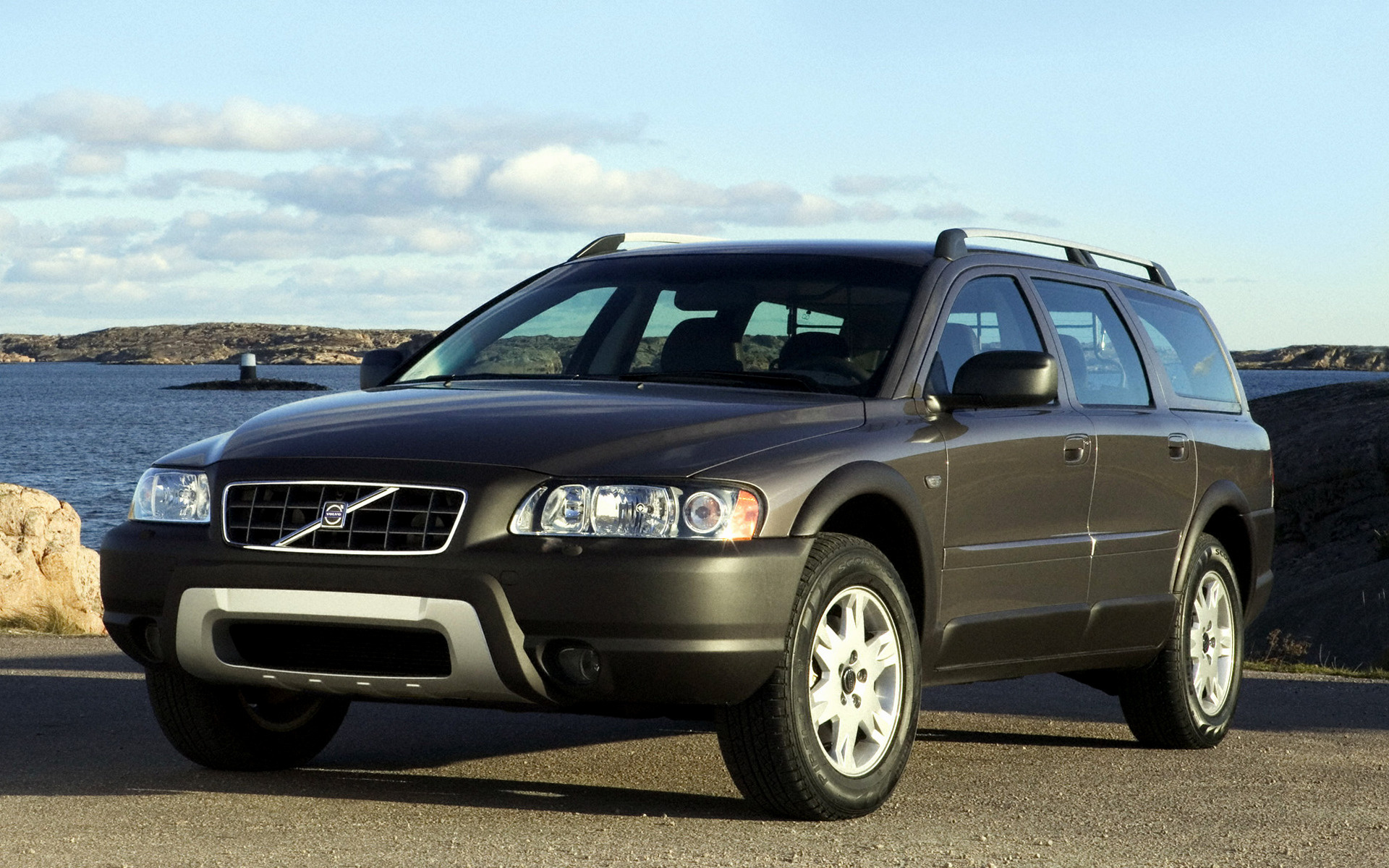 Volvo Xc Car Wallpaper on 1997 Dodge Concept