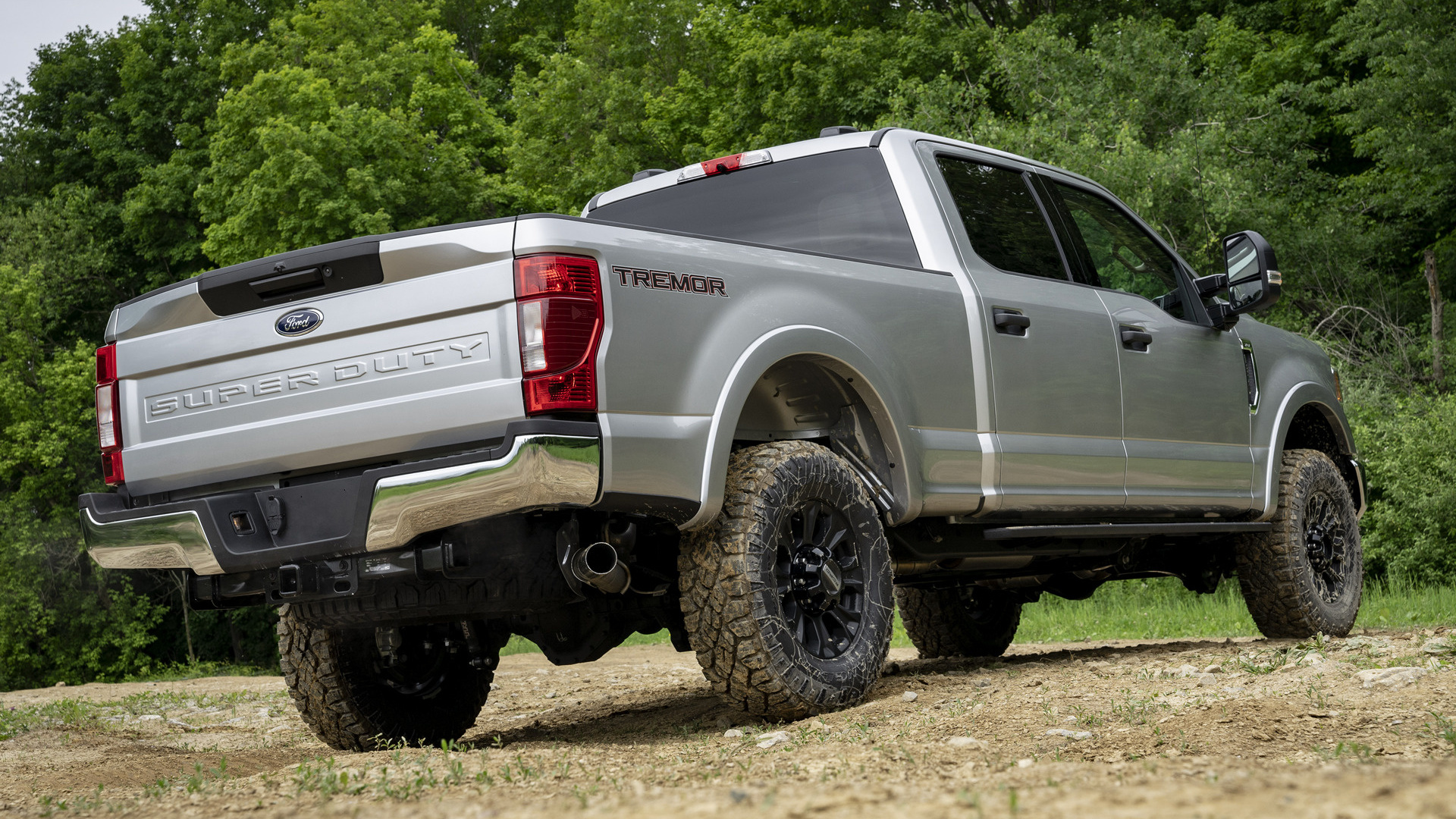 ford   super duty xlt crew cab tremor  road package wallpapers  hd images car