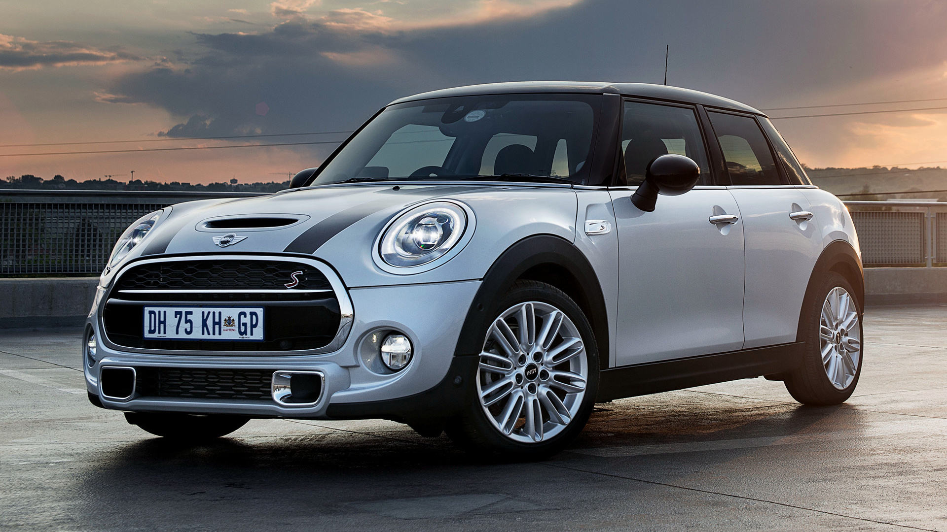 mini cooper five forces A modified design for the characteristic circular headlights make the hallmark front view of the new mini 3-door, the new mini 5-door and the new mini cooper s 5.