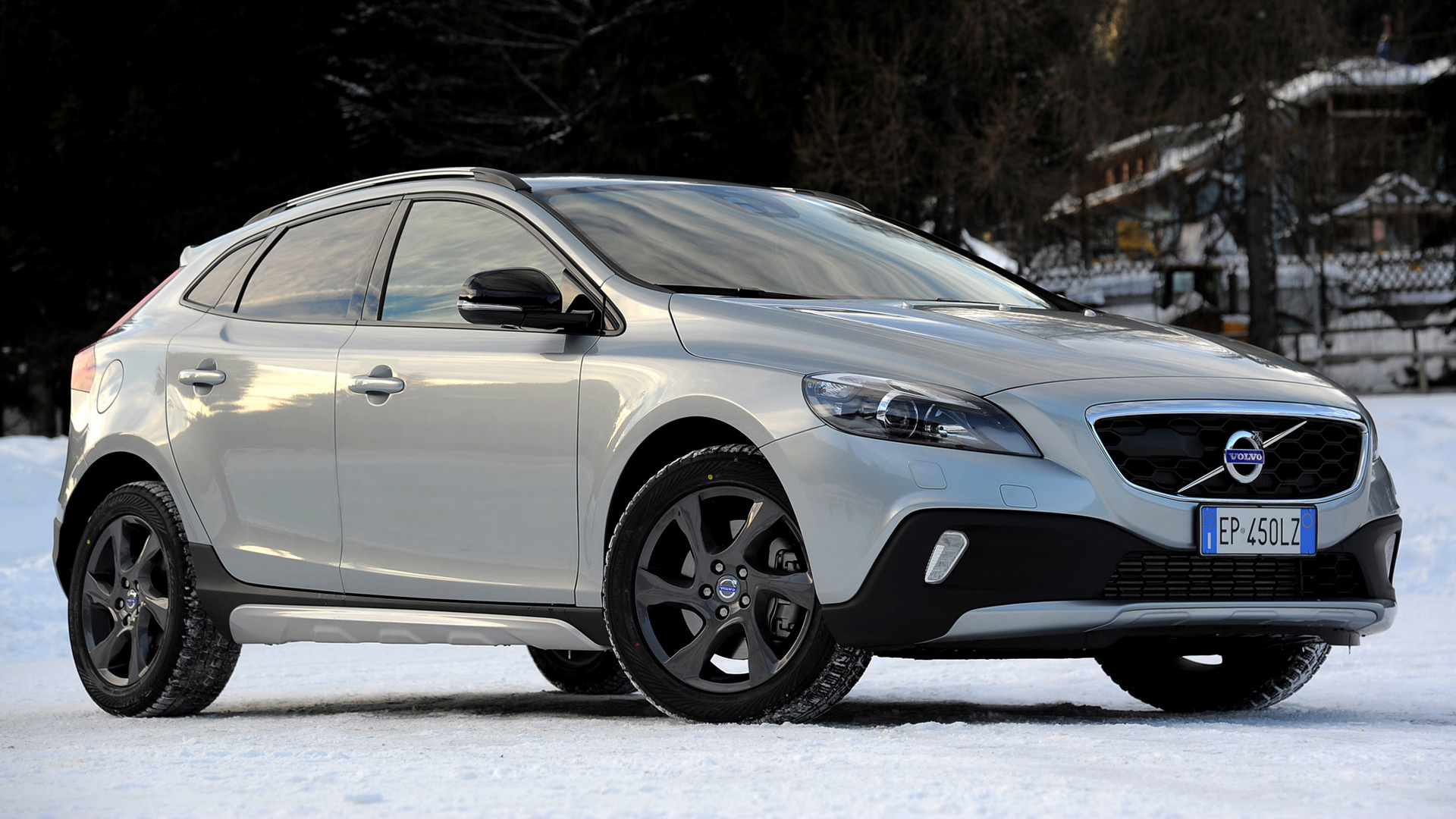 volvo v40 cross country 2012 wallpapers and hd images. Black Bedroom Furniture Sets. Home Design Ideas